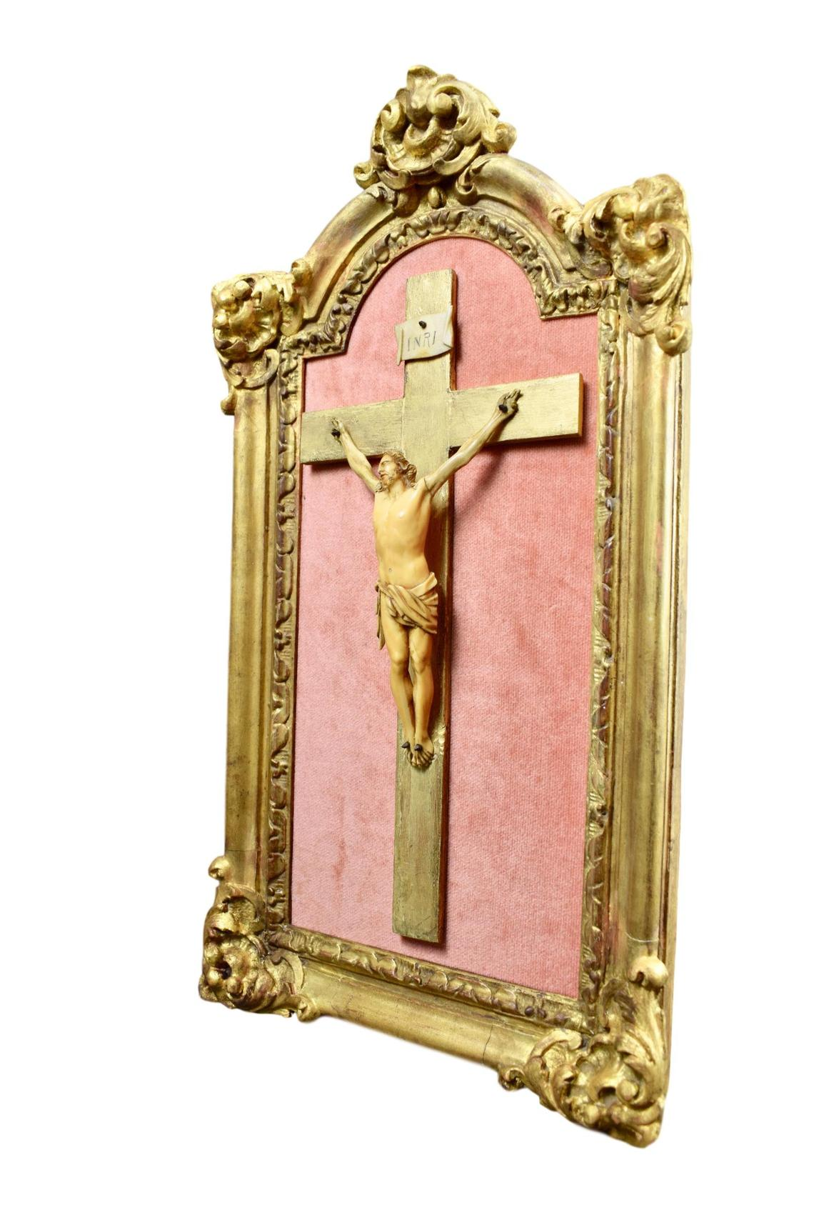 18th.C Antique Carved Ivory Crucifix