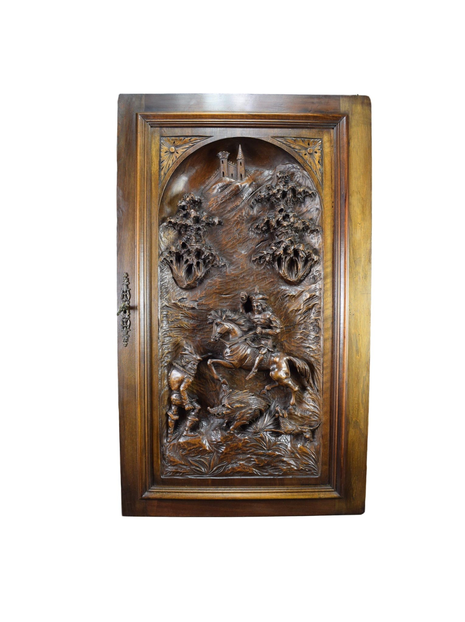 Large Carved Hunting Scene - Charmantiques