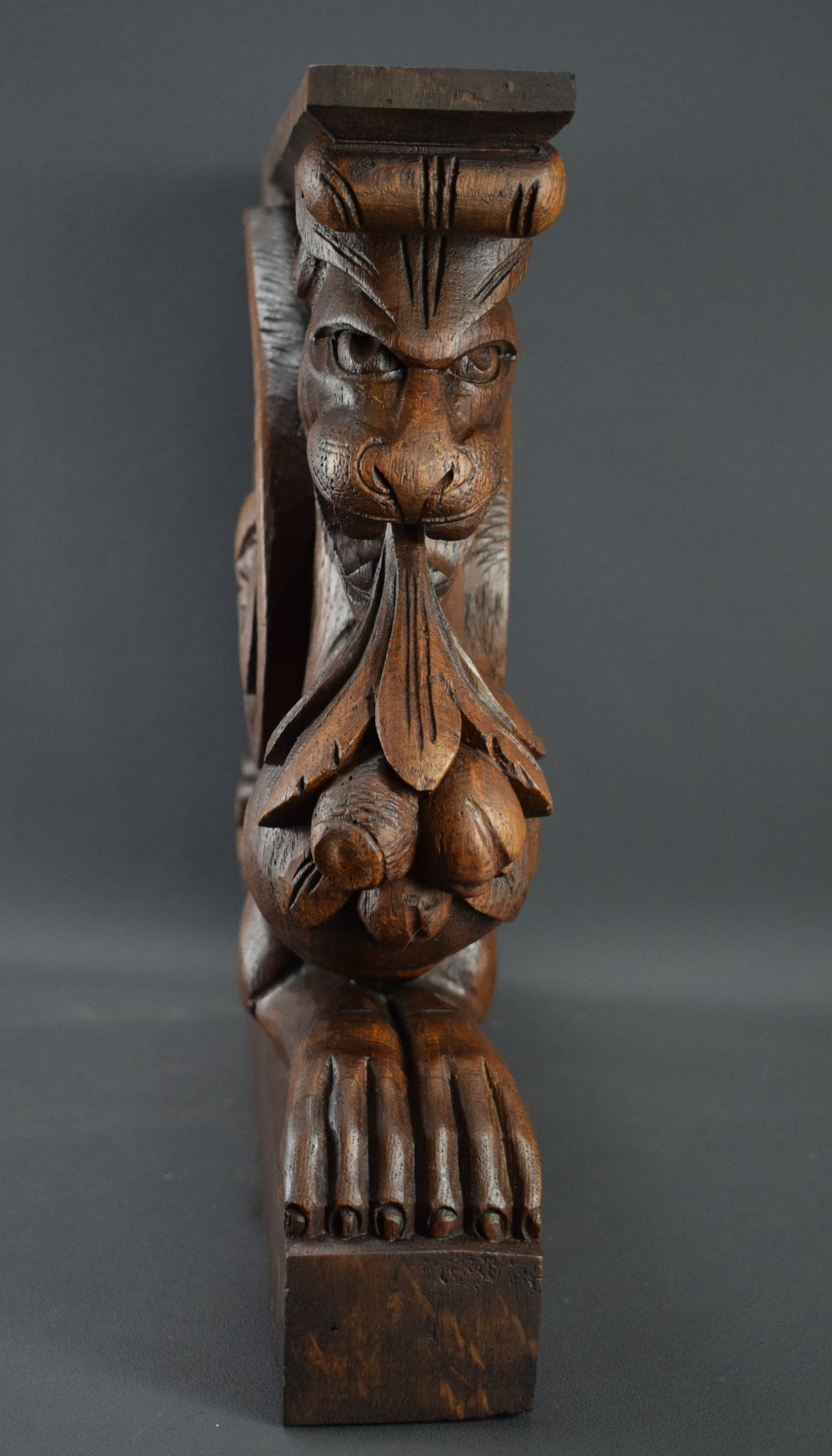 Griffin Corbel Carved Wood 1 - Charmantiques