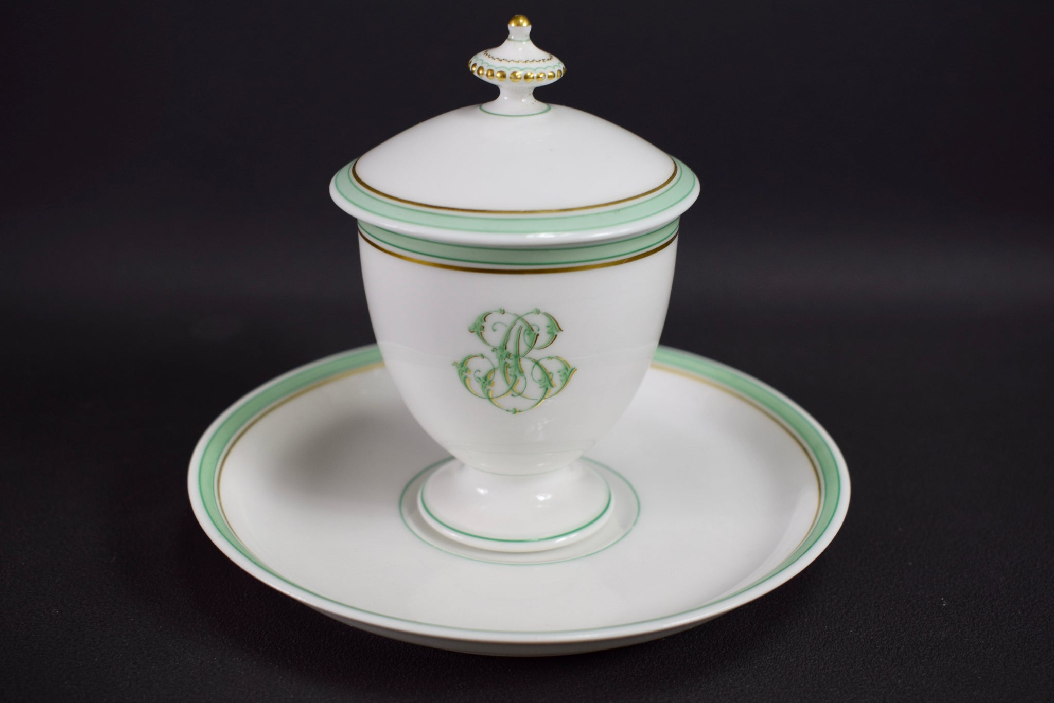 French Porcelain cream pot / cup and saucer of Paris 19th - Saint Honoré Paris N°4