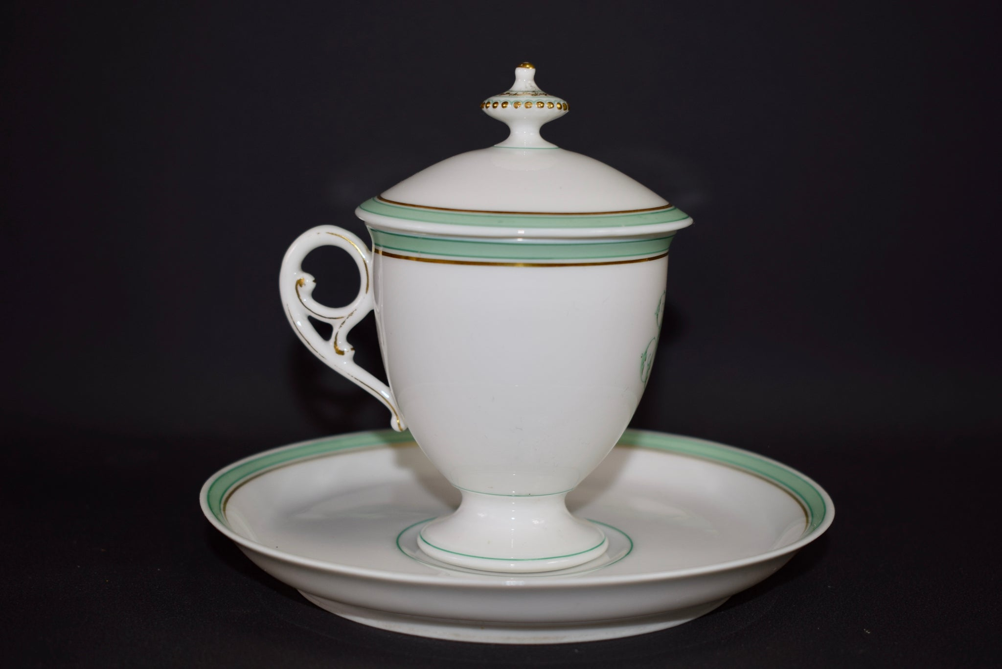 French Porcelain cream pot / cup and saucer of Paris 19th - Saint Honoré Paris N1