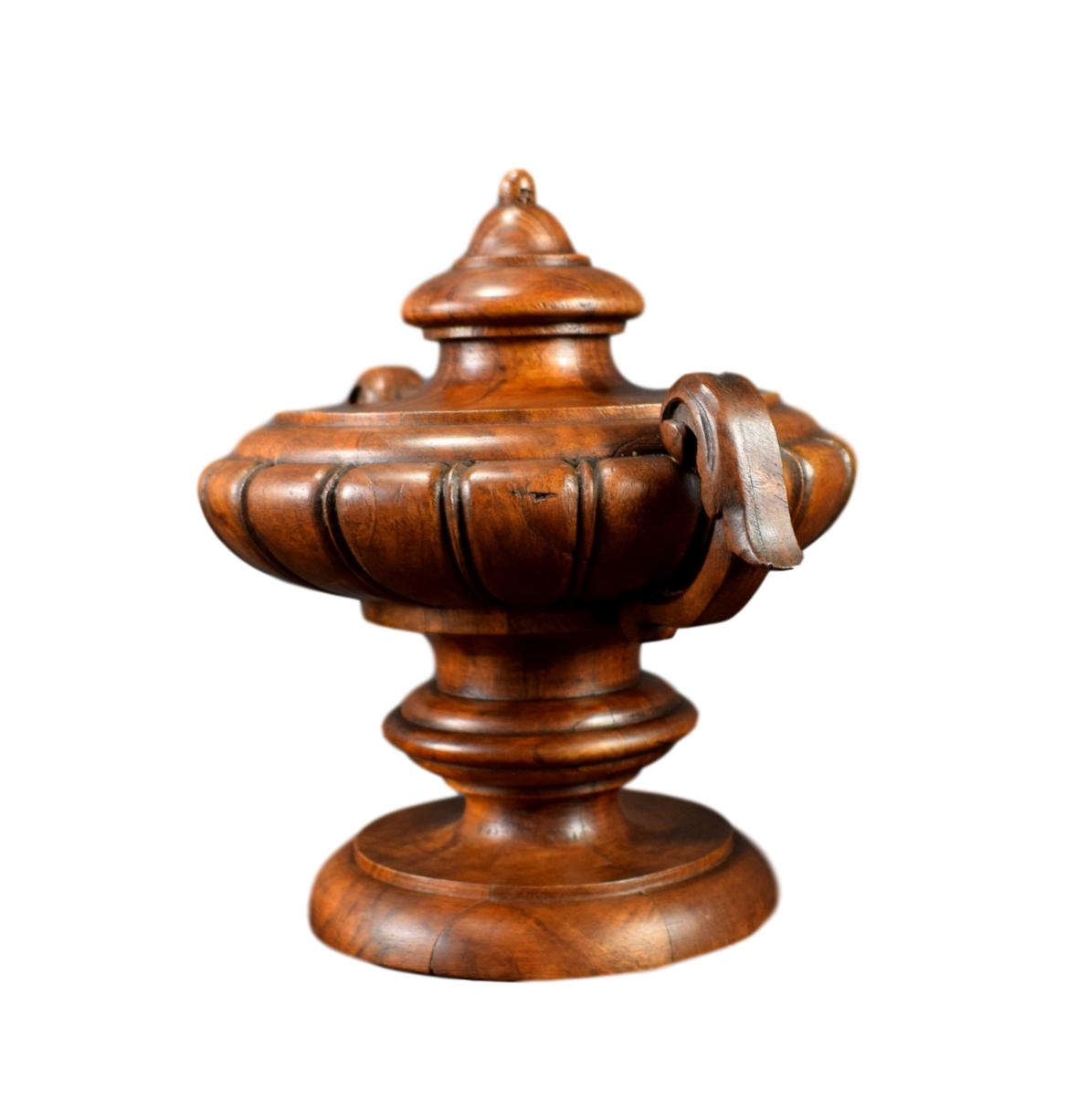 Architectural Wood Stairwell Finial - Charmantiques