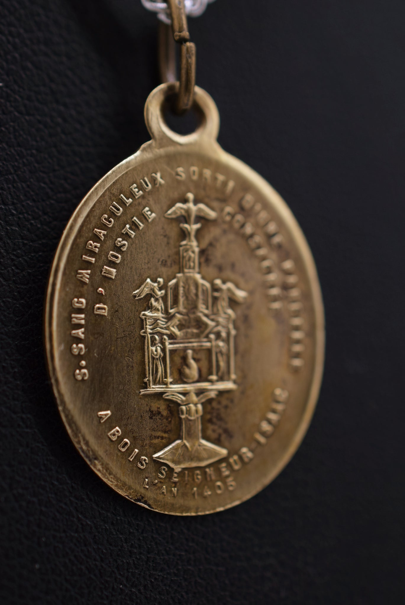 Holy Blood of Jesus Medal Relic