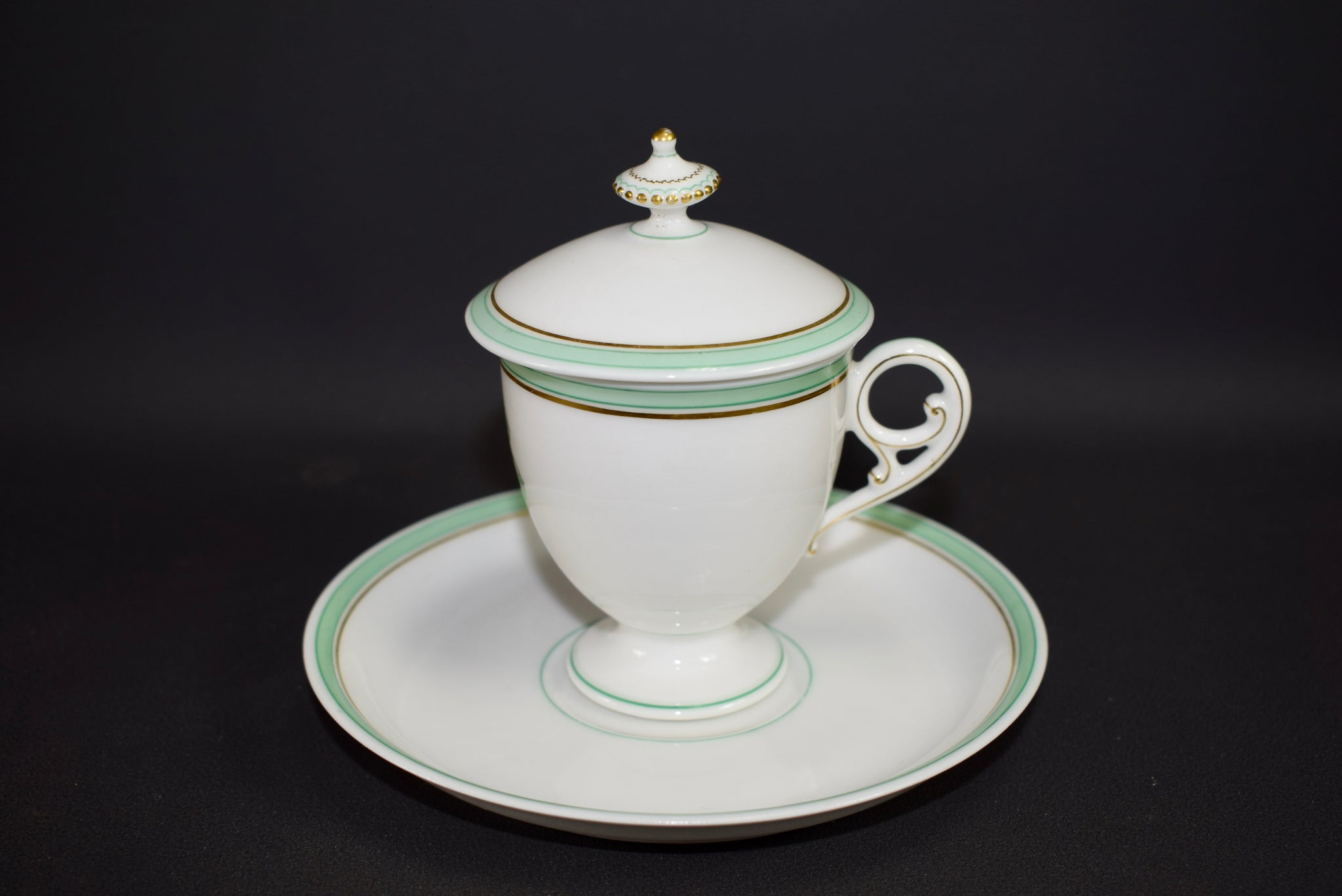 Porcelain cream cup and saucer Saint Honoré Paris N°4