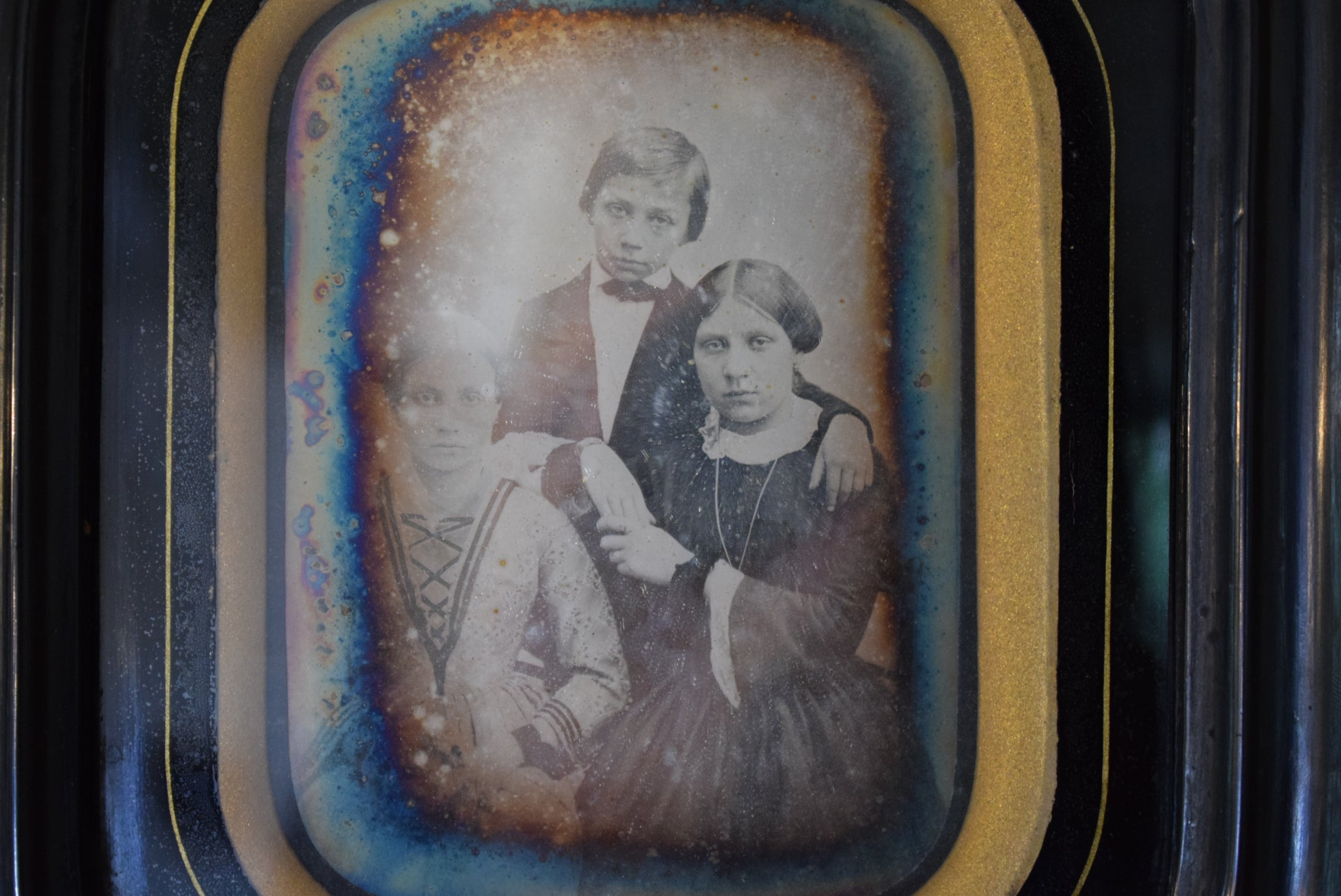 Victorian French 1/4 Plaque Daguerreotype of Siblings Children Family Black Wall Picture Frame