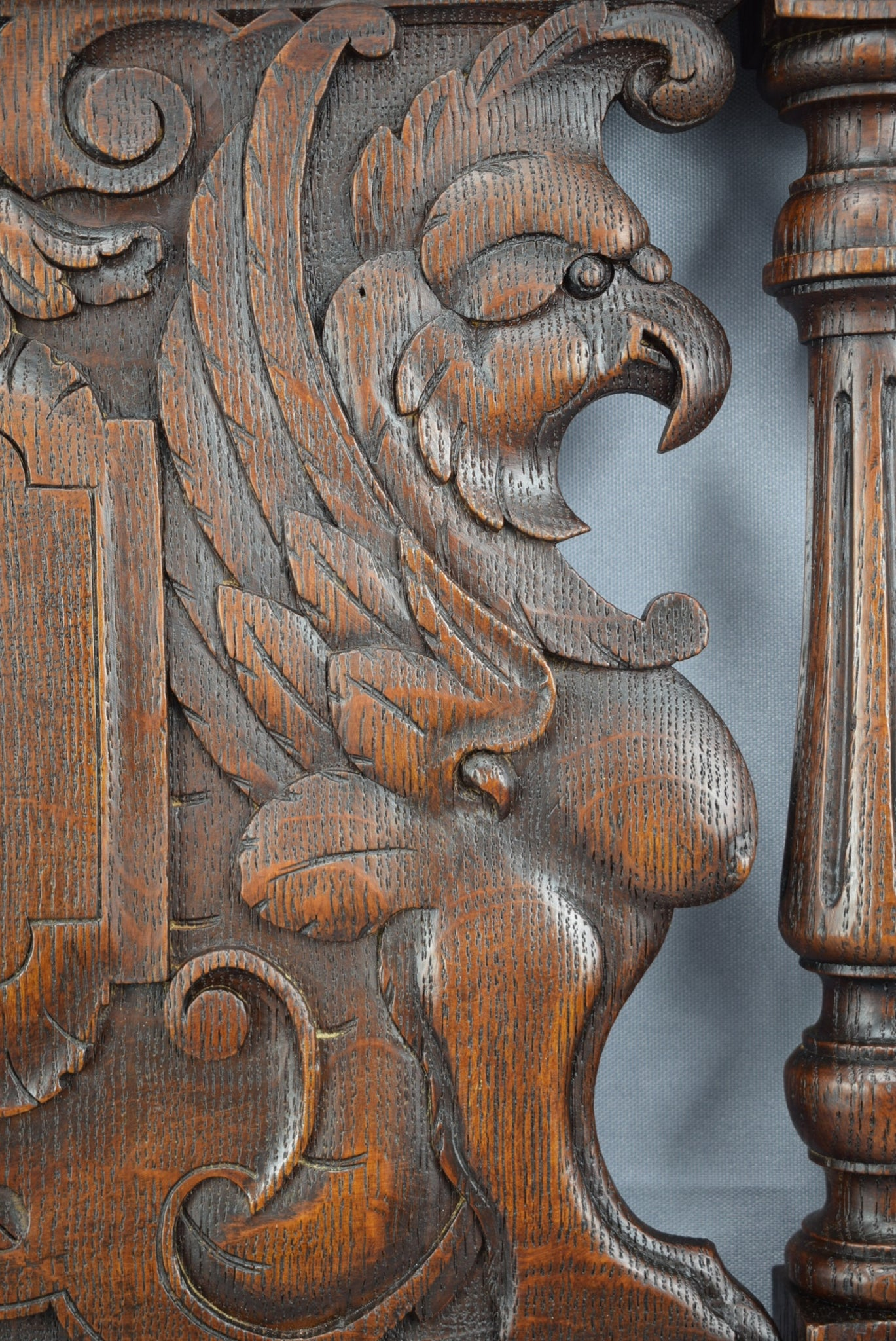 Griffin Panel 2 - Charmantiques