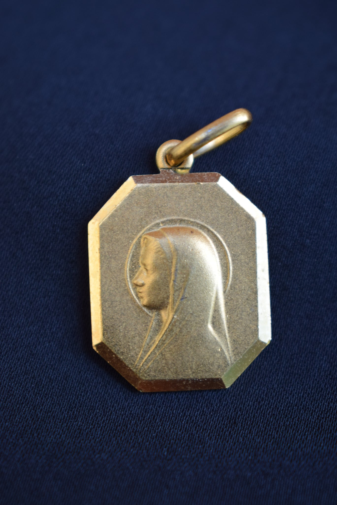Mary Medal - Charmantiques