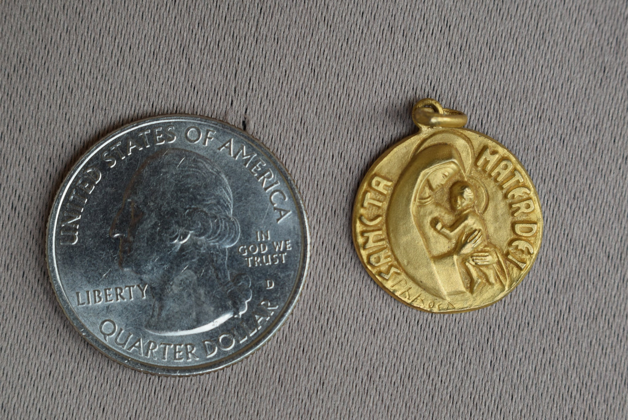 Mater Dei Medal - Charmantiques