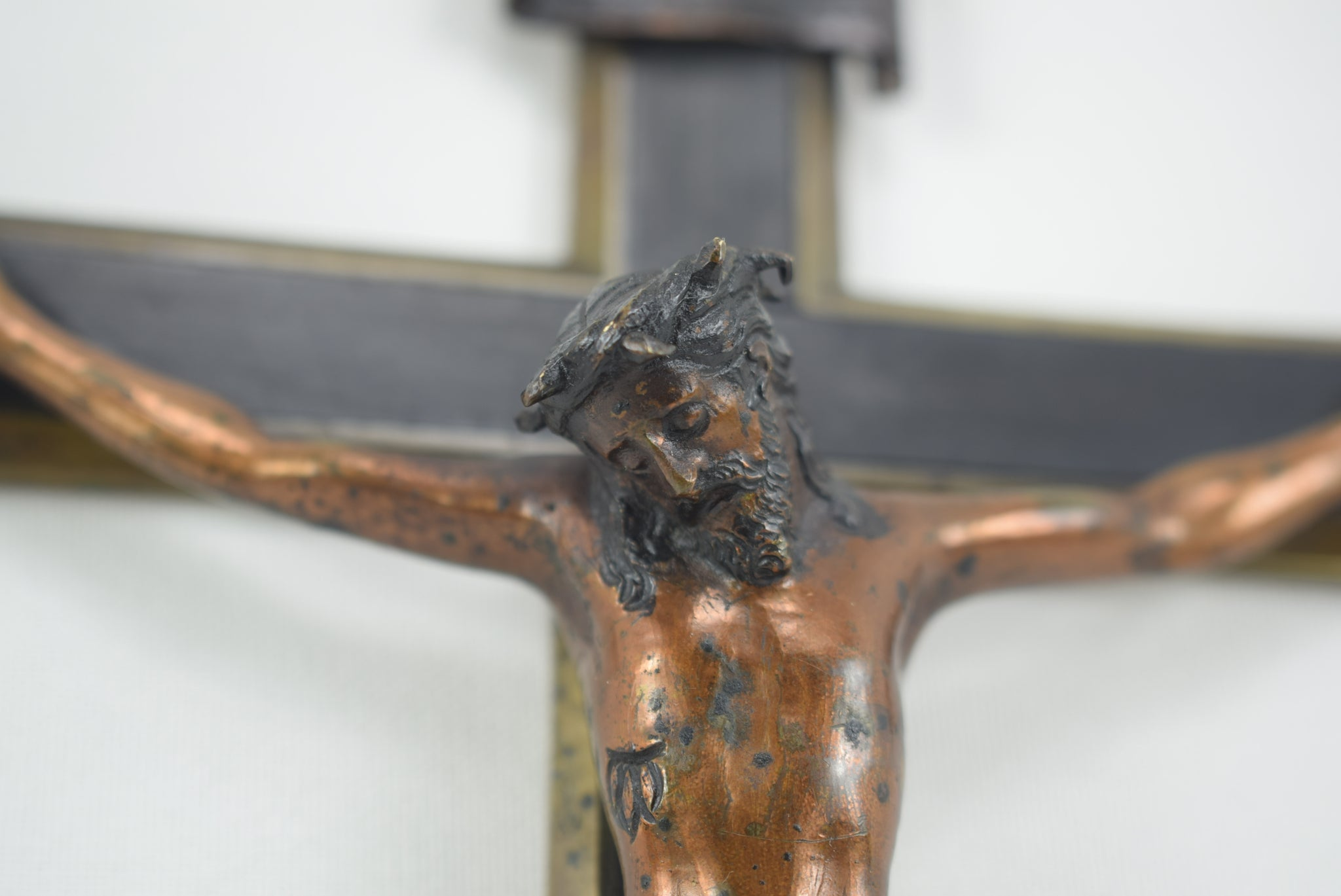 "9"" Wood Inlay Crucifix - Charmantiques"