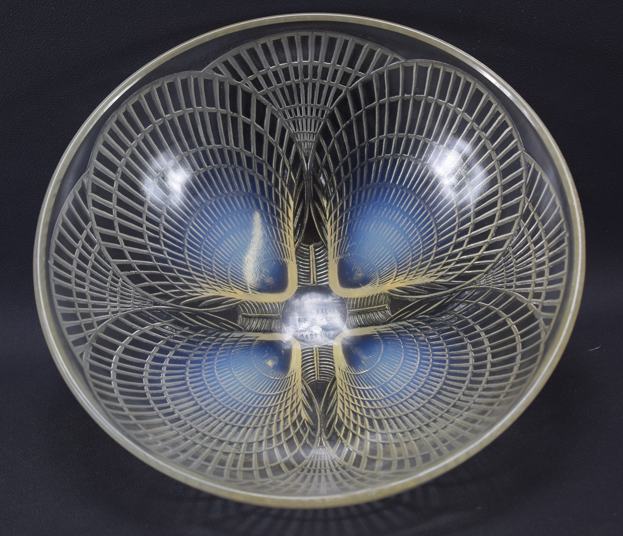 R Lalique Glass Large Shell Bowl 24cm 9 1/2 inches Coquille