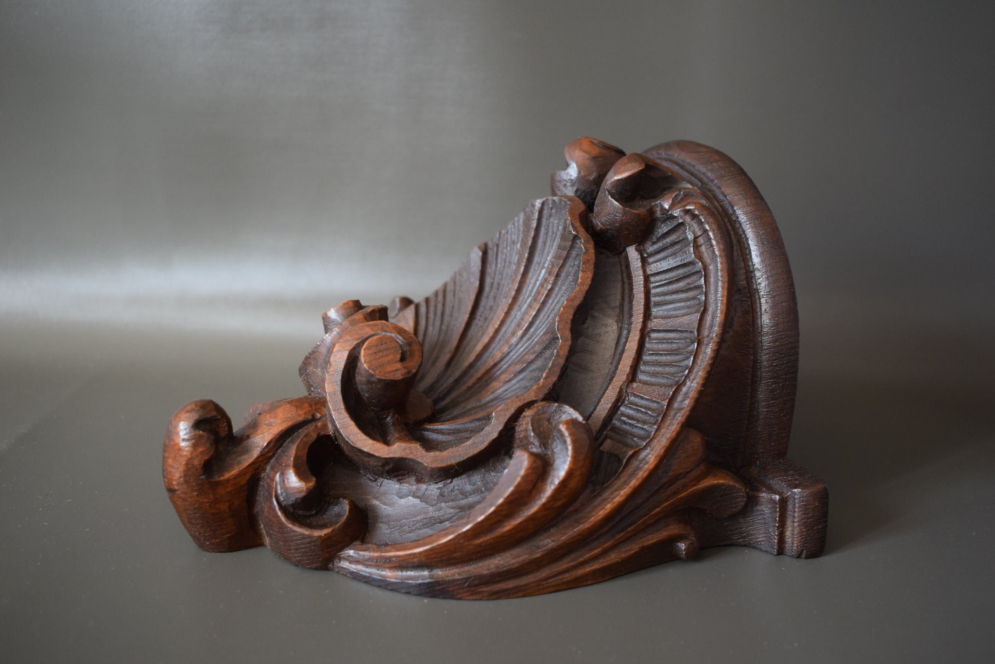 Louis XV Wood Bracket - Charmantiques