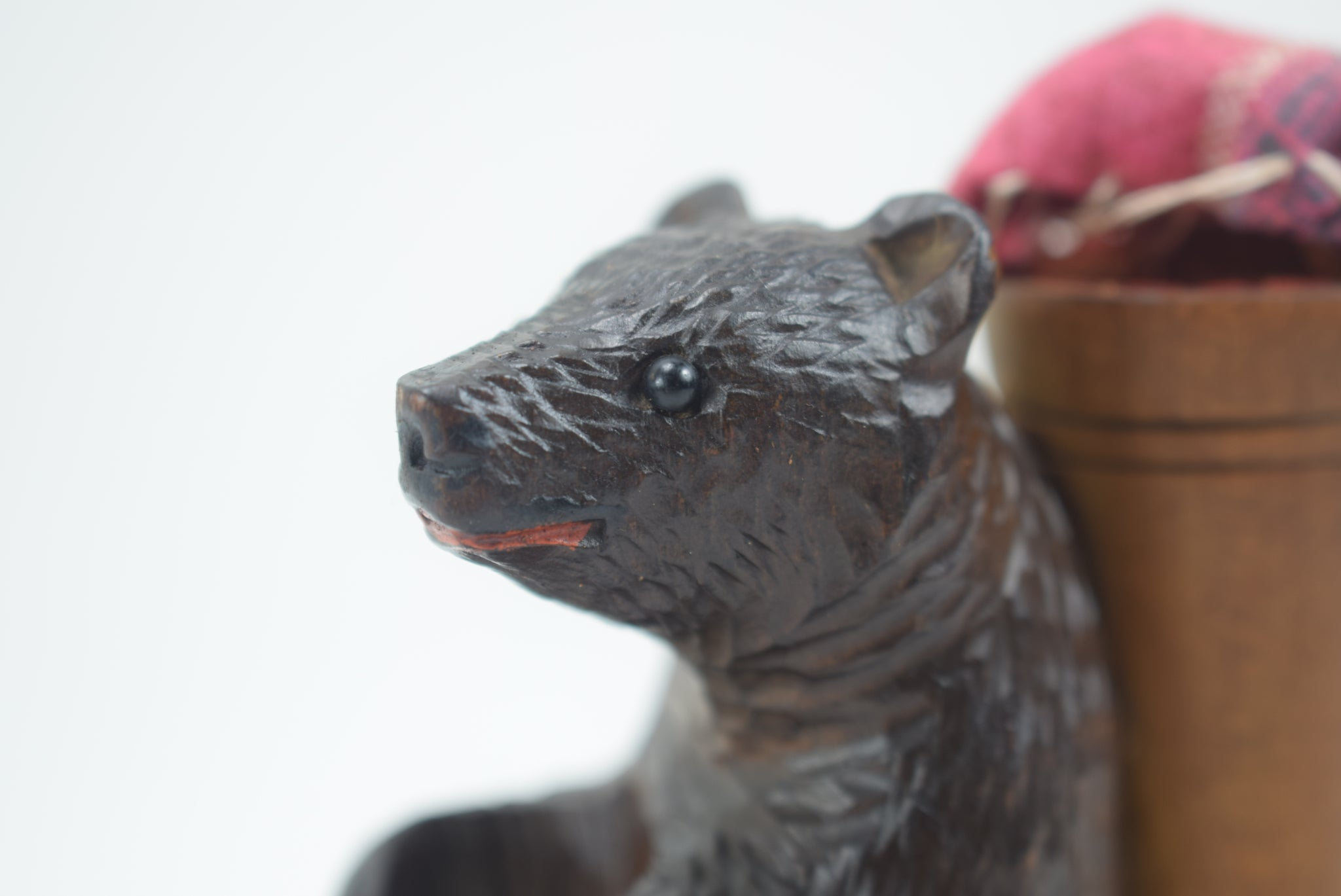 Bear Sewing Holder - Charmantiques