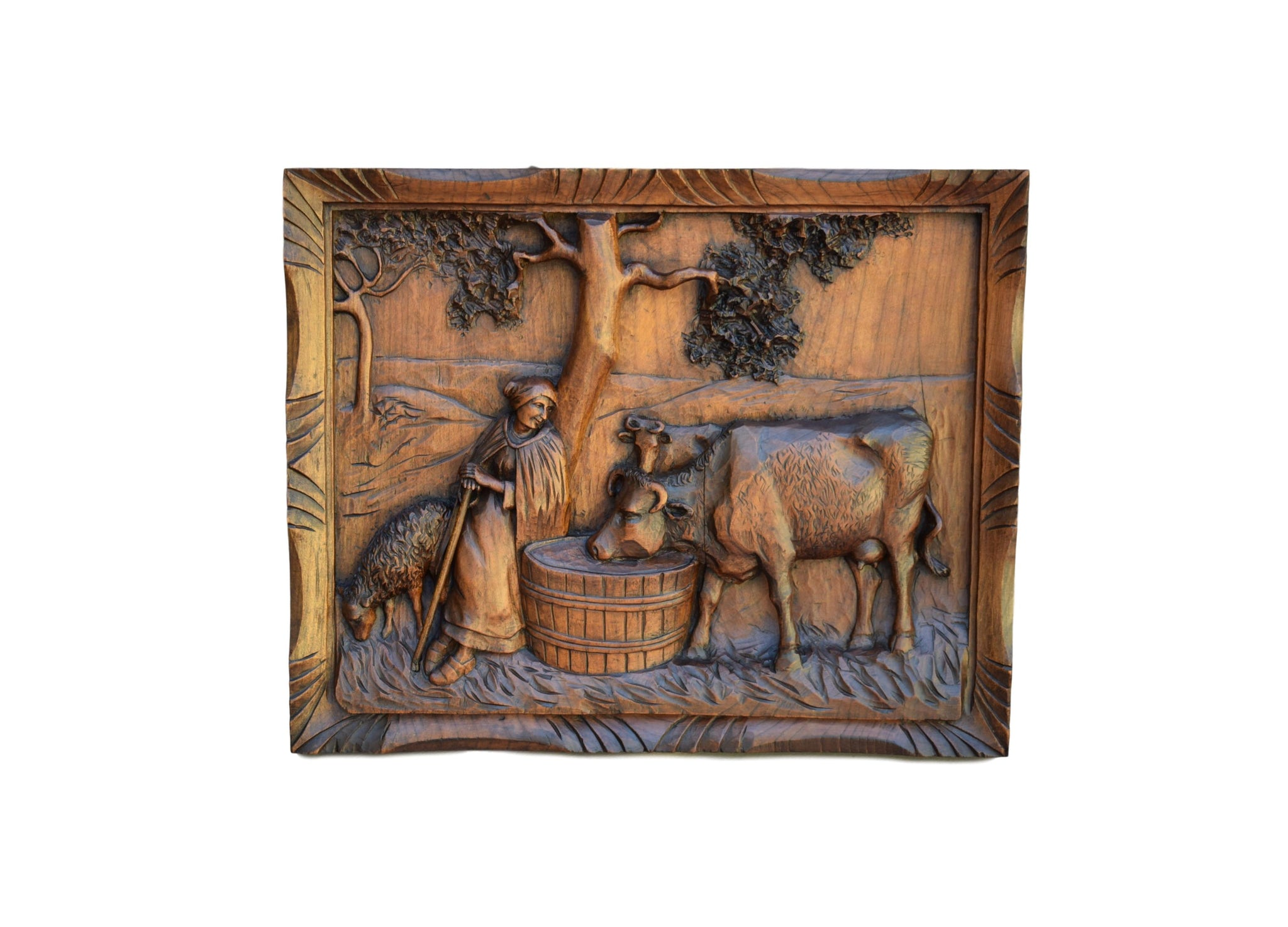 Black Forest Cow Carving - Charmantiques