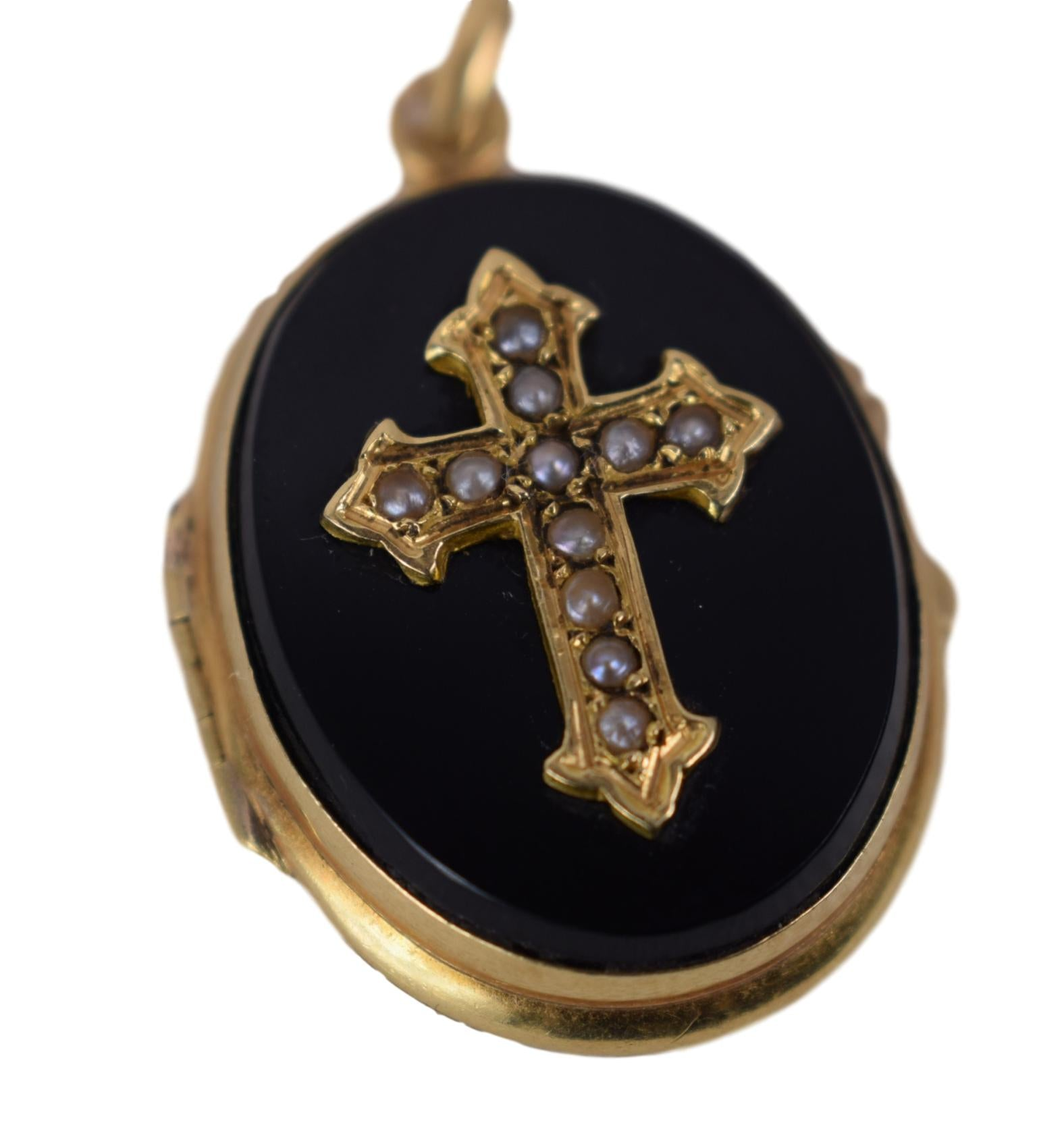 18K Gold Mourning Pendant - Charmantiques
