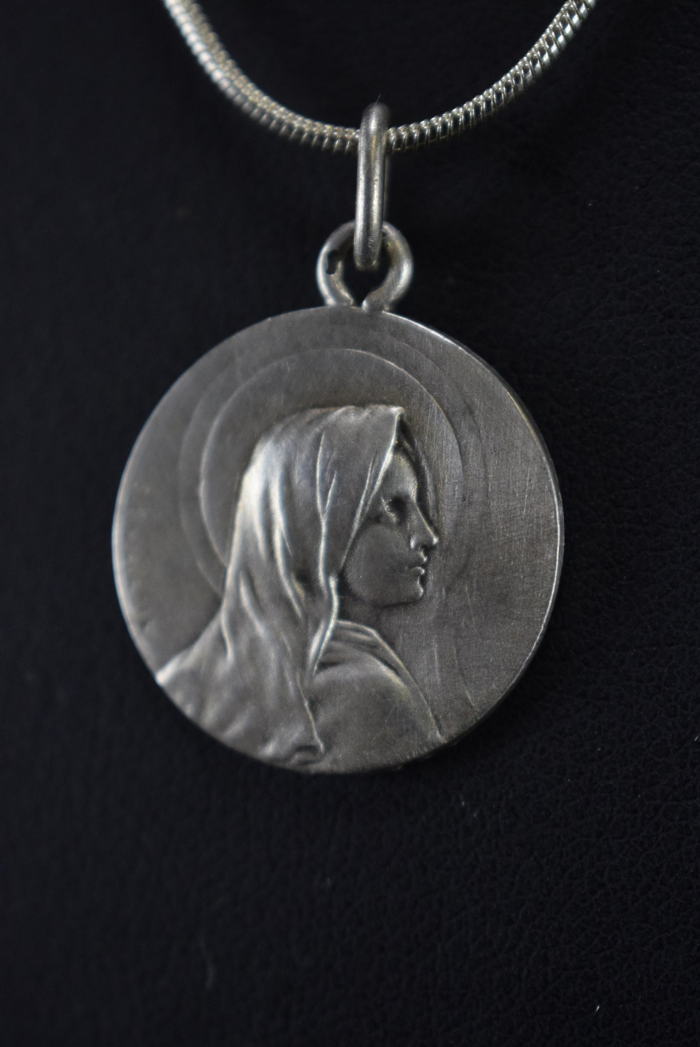 Sylvain Kinsburger Silver Medal of Mary - Charmantiques
