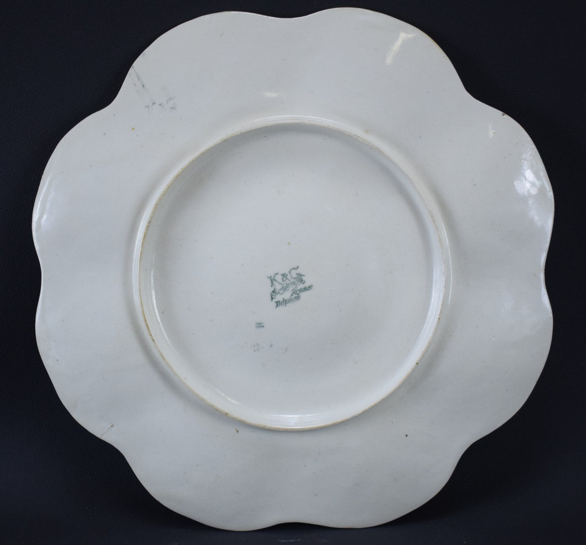 St Clement Oyster Plate - Charmantiques