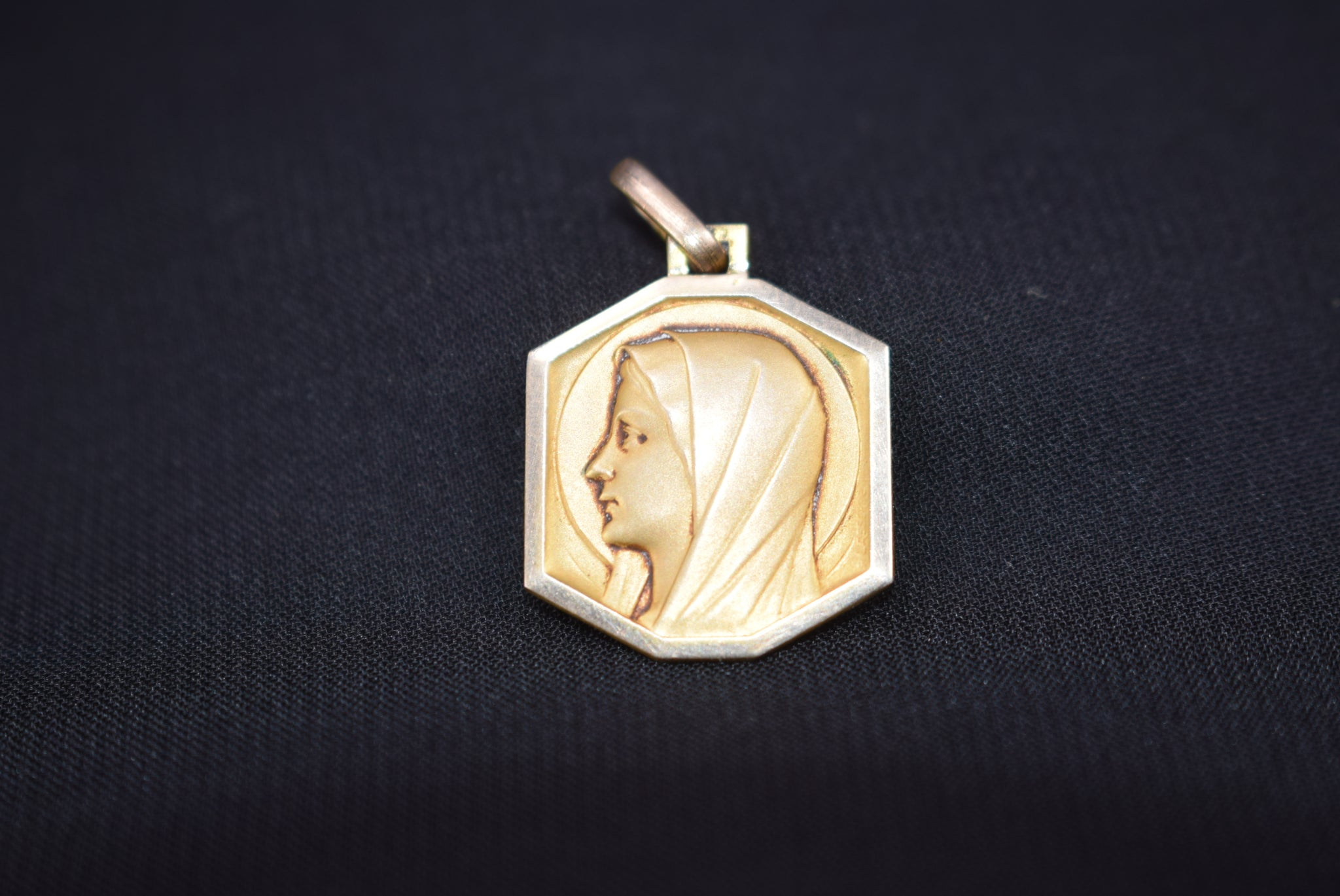 Mary Gold Medal - Charmantiques