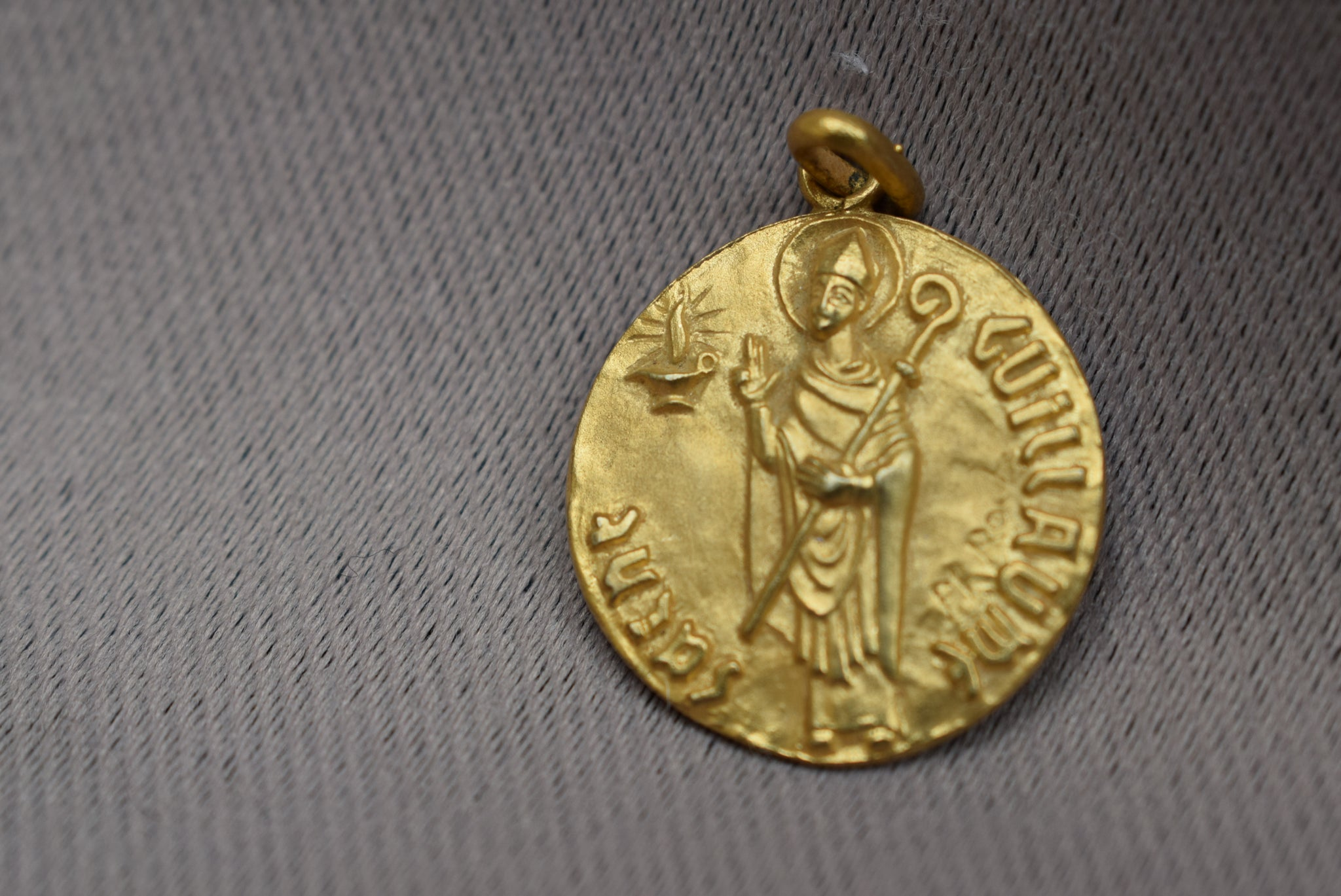 St William Medal - Charmantiques