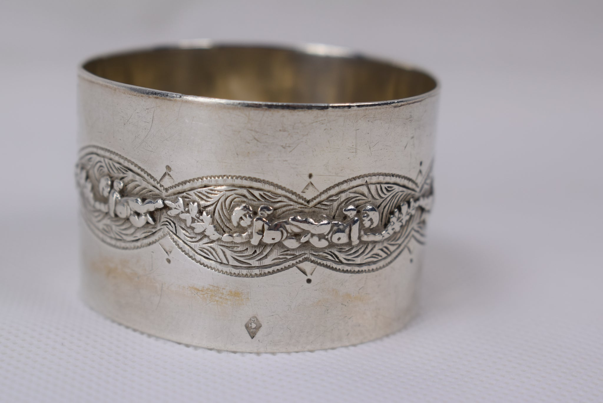 Silver Angels Napkin Ring - Charmantiques