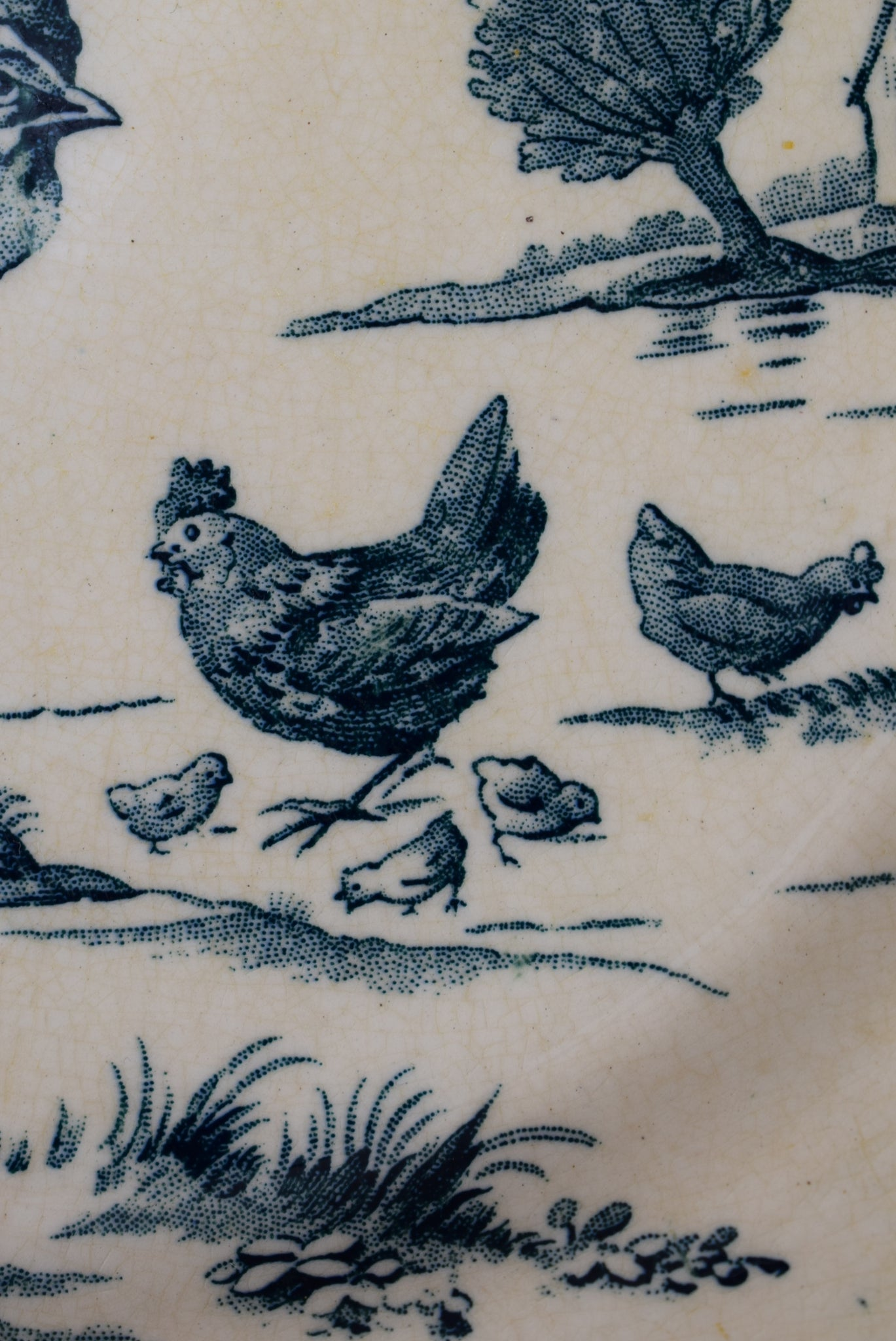 Rooster Gien Plate - Charmantiques