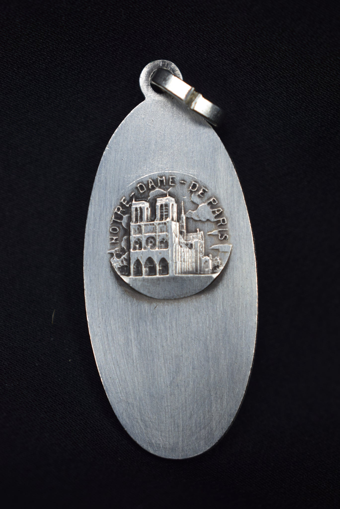 Cathedral of Paris Medal - Charmantiques