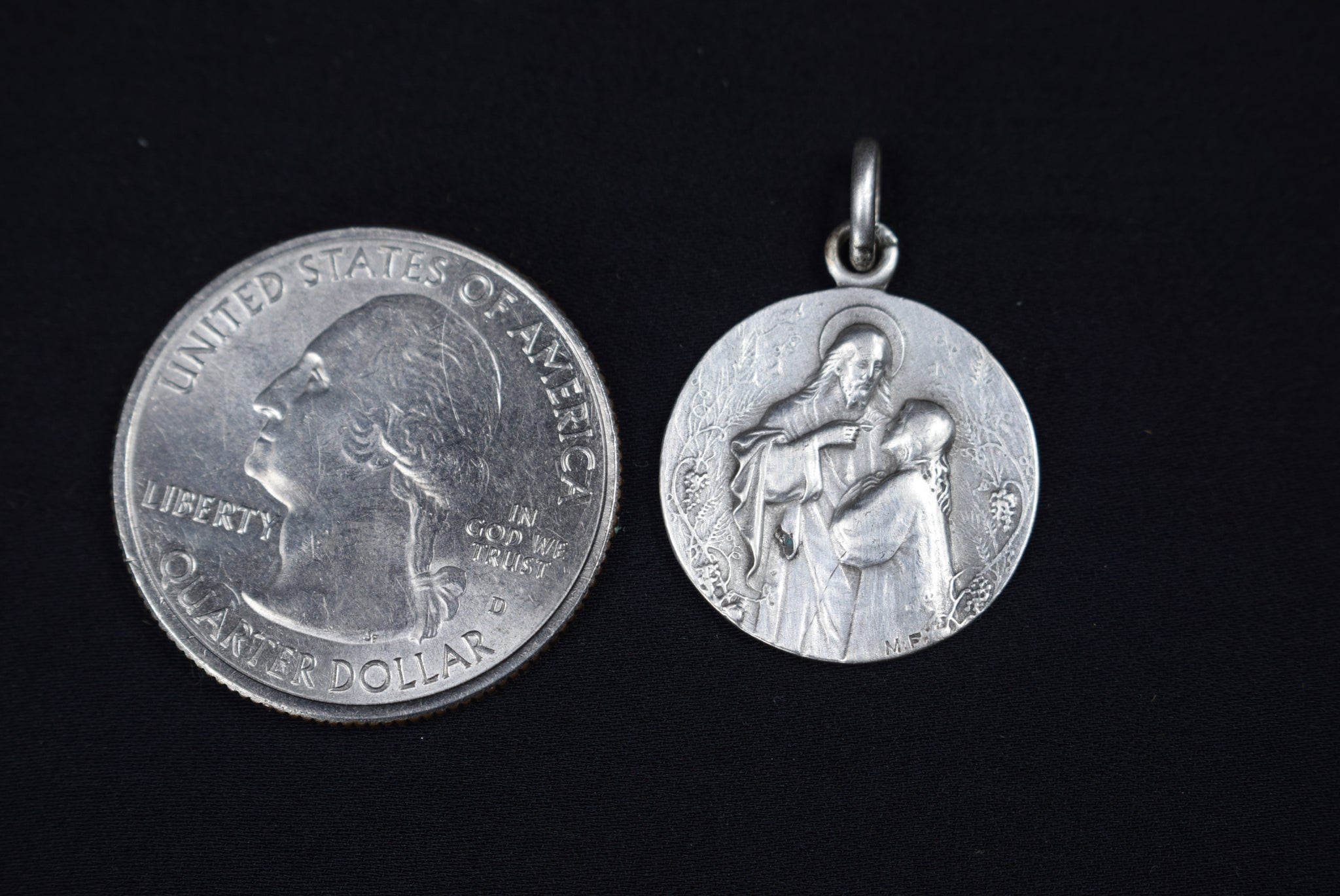1920 Holy Communion Medal - Charmantiques