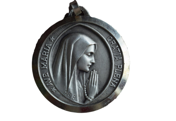 Ave Maria Medal - Charmantiques