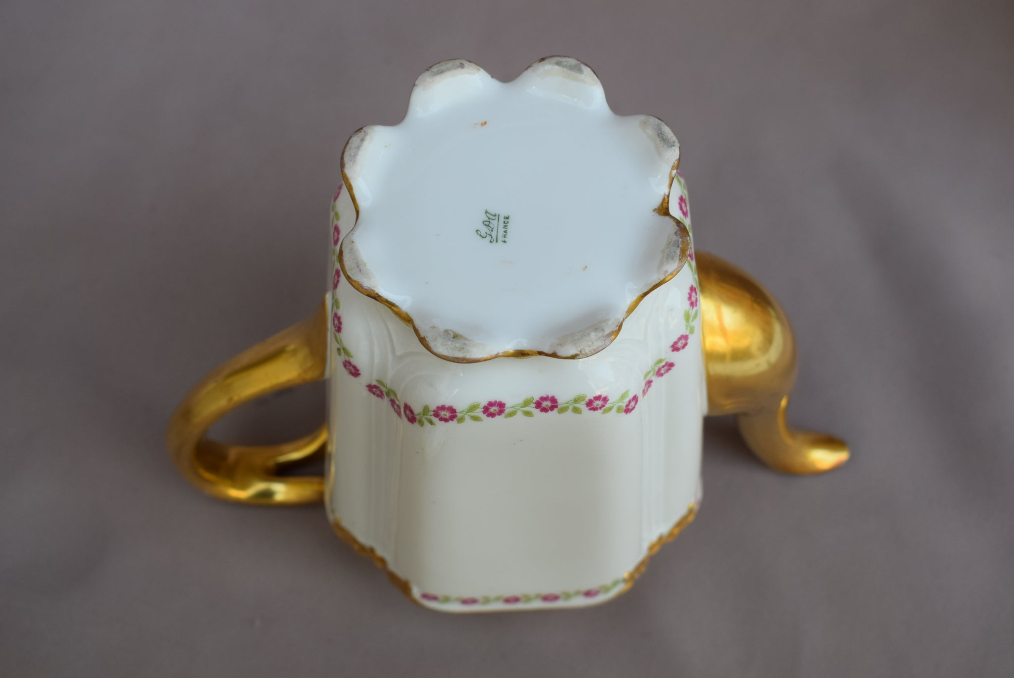 GDA Porcelain Coffee Pot - Charmantiques
