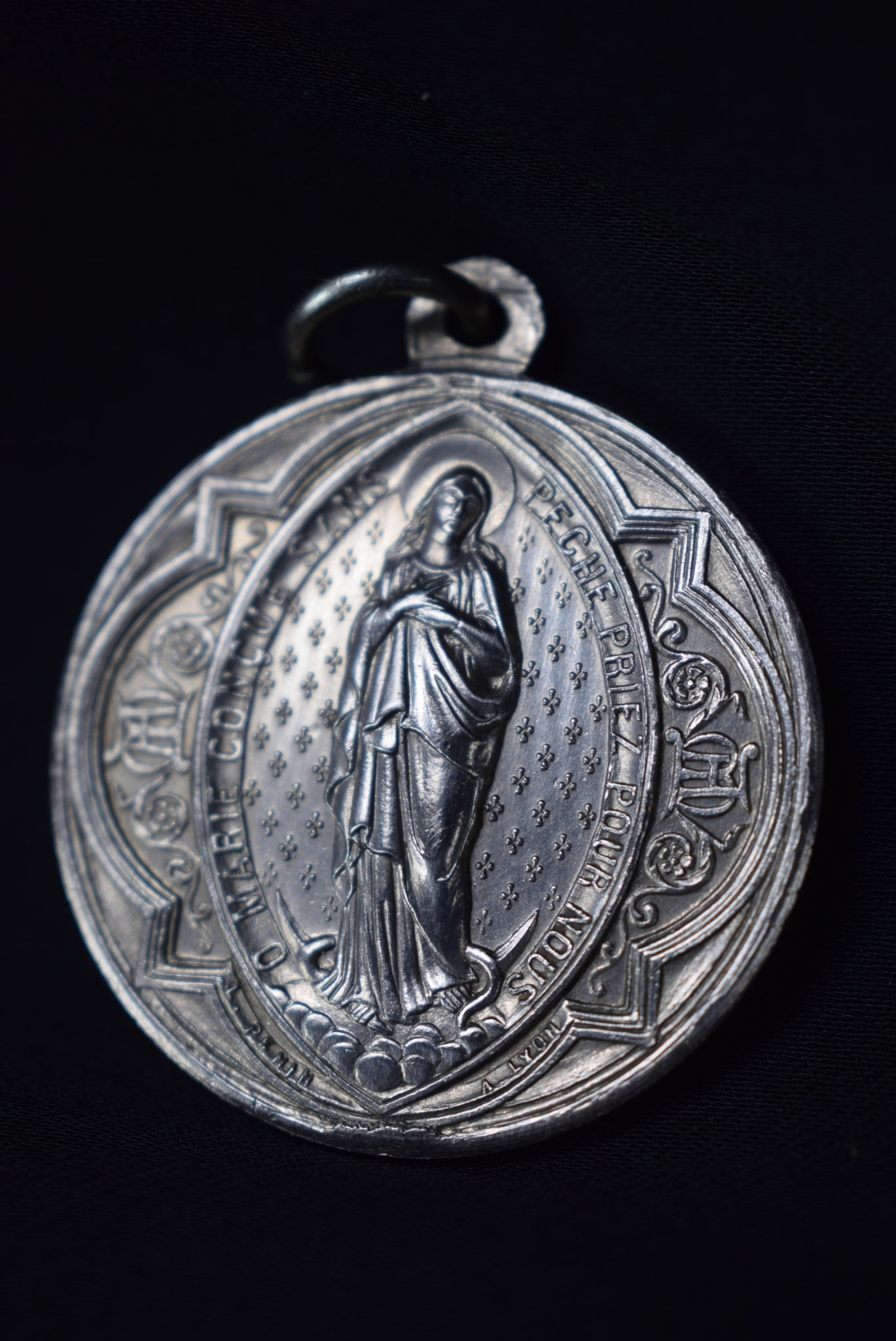 St Irenee Medal - Charmantiques
