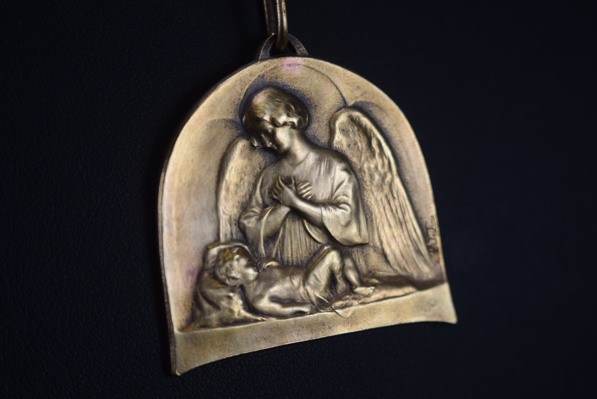 Angel Bronze Medal - Charmantiques