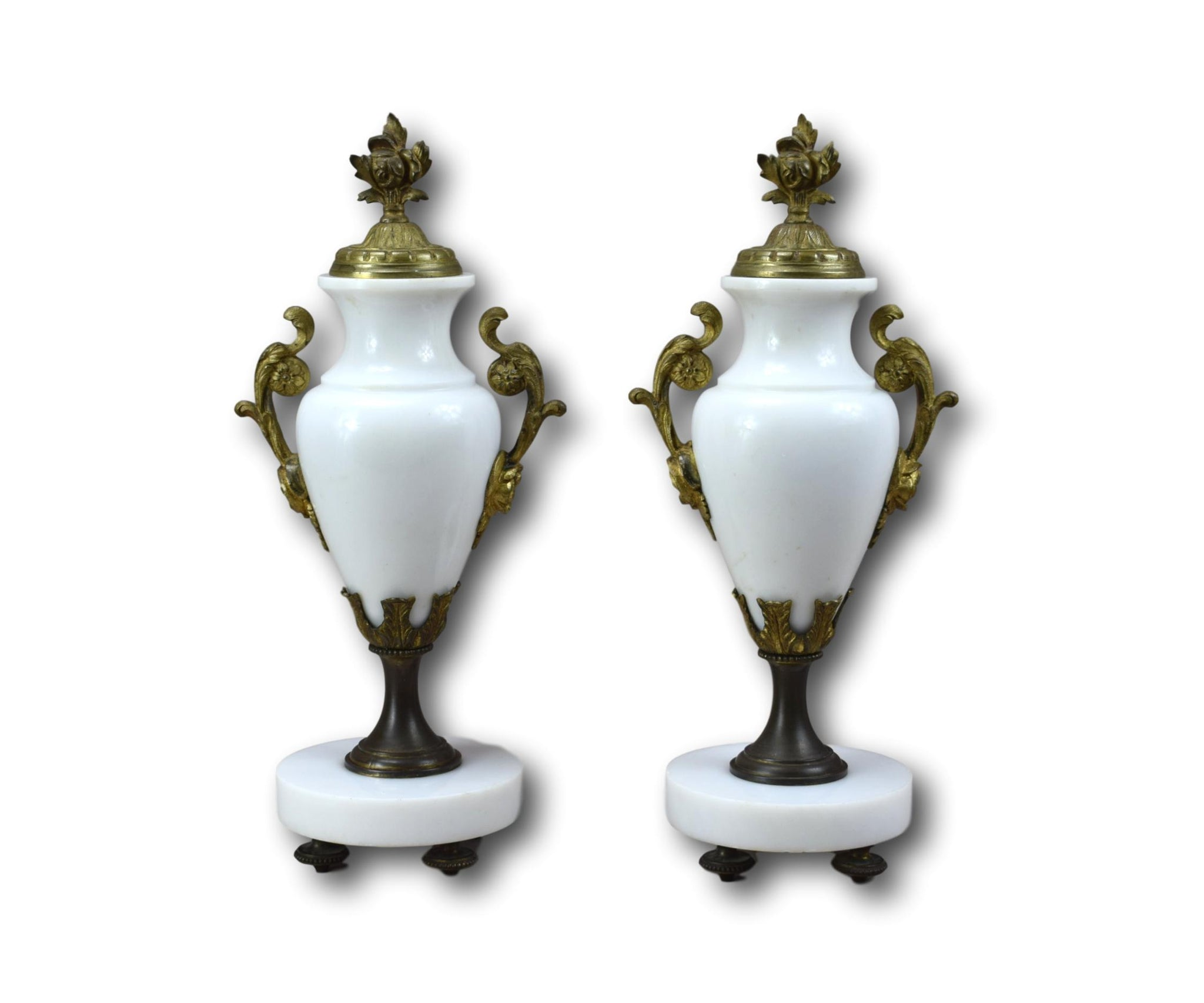 Marble Urns Vases - Charmantiques