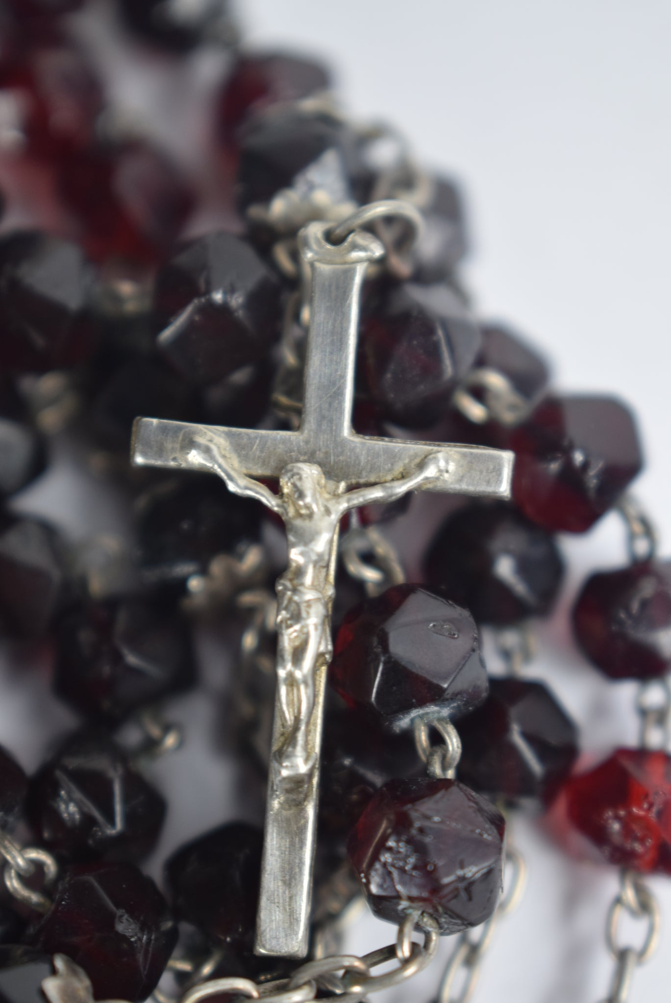 Lourdes Red Rosary - Charmantiques