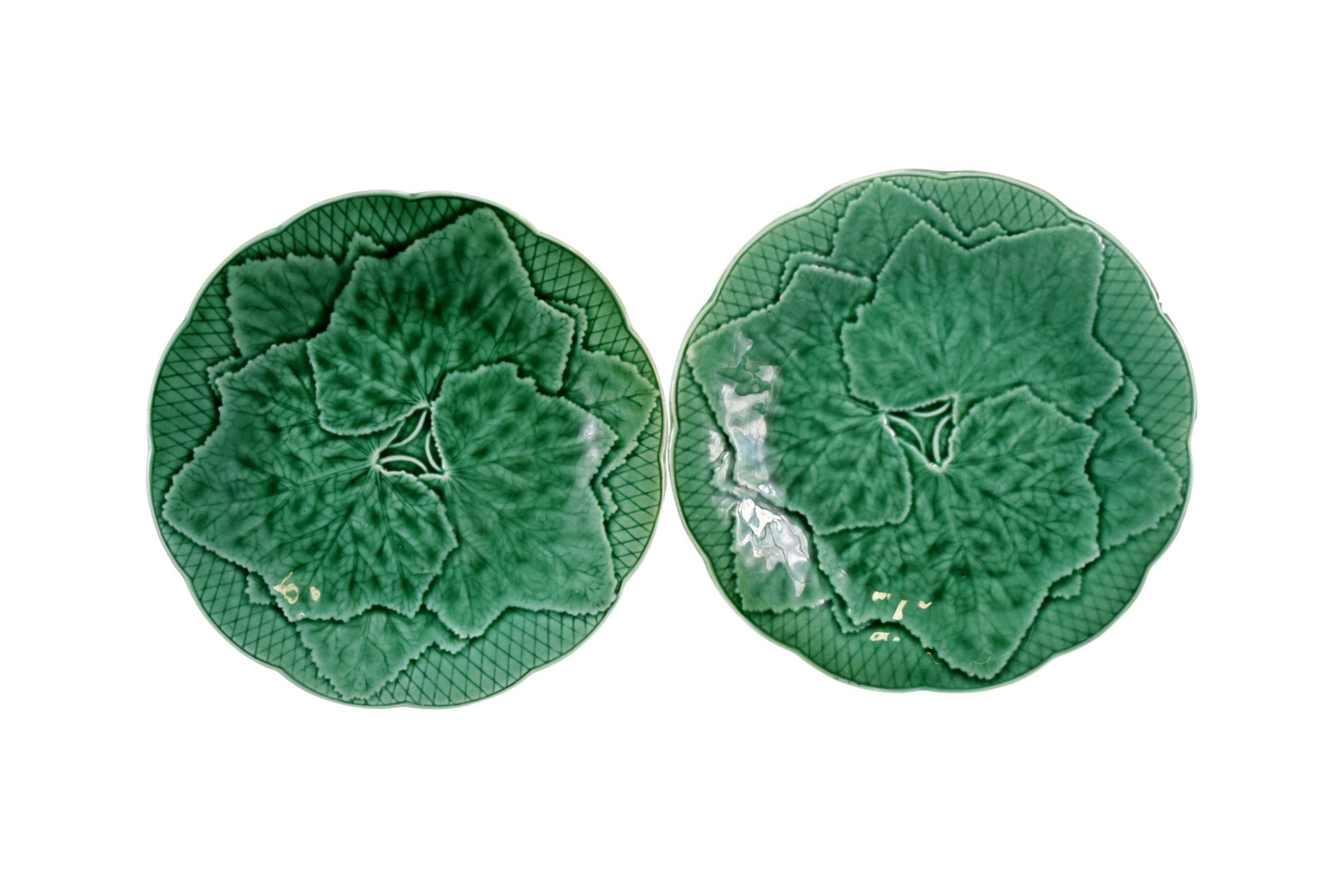 Set of Two 2 Green Majolica Leaf Plates by Gien Primefleur Creation for Garden House Tableware