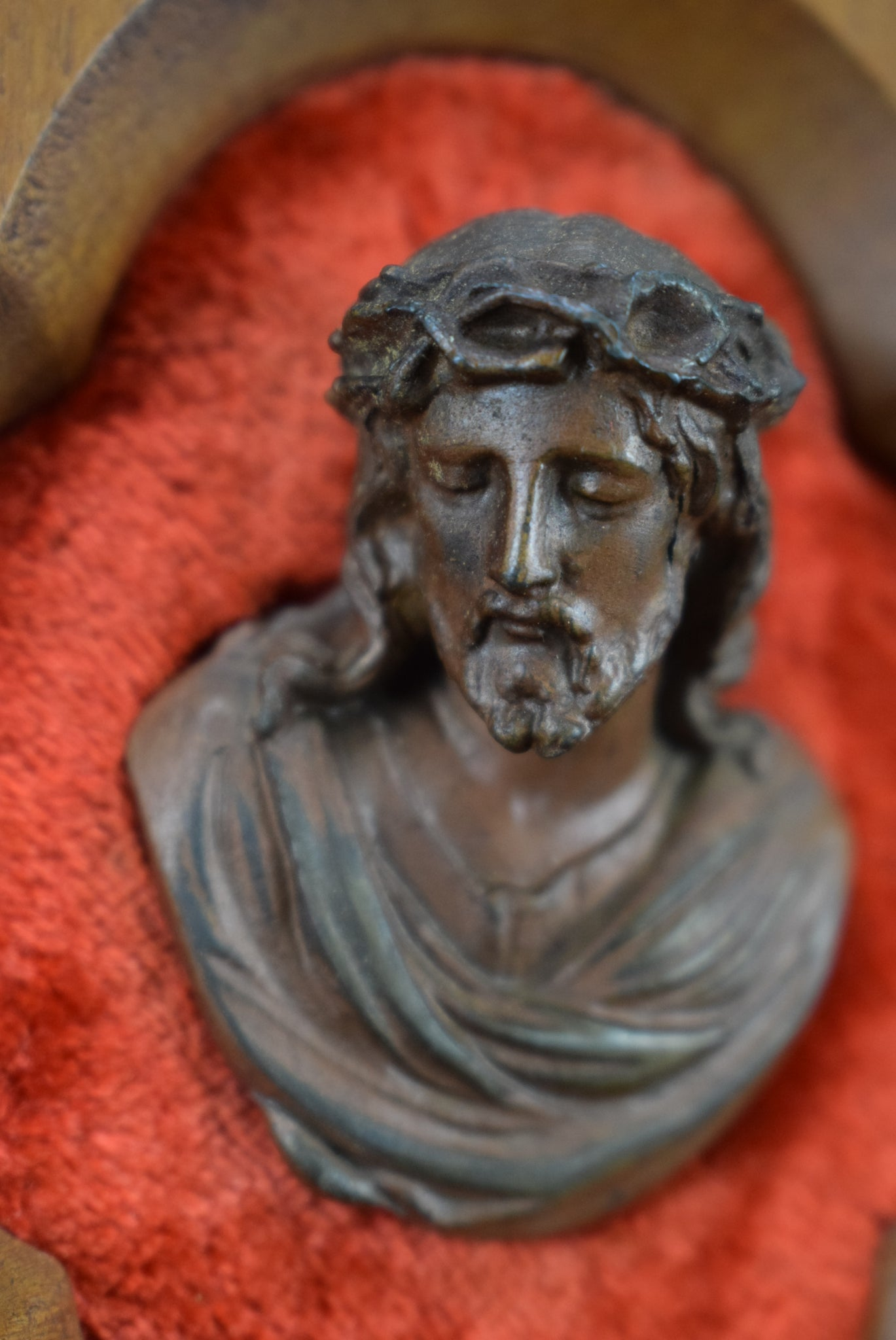 Small Jesus Holy Water Font - Charmantiques