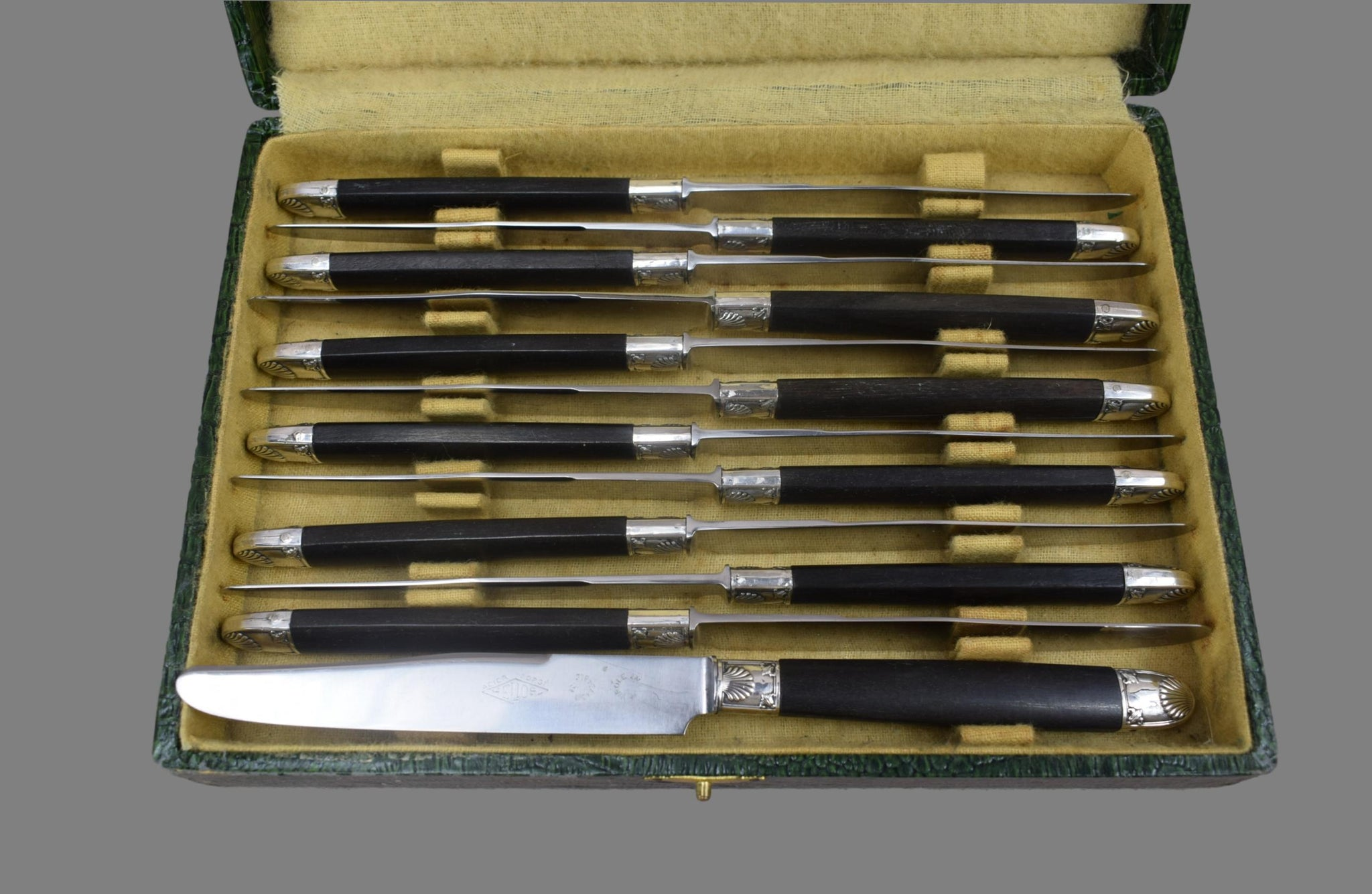 24 Empire Knife Set - Charmantiques