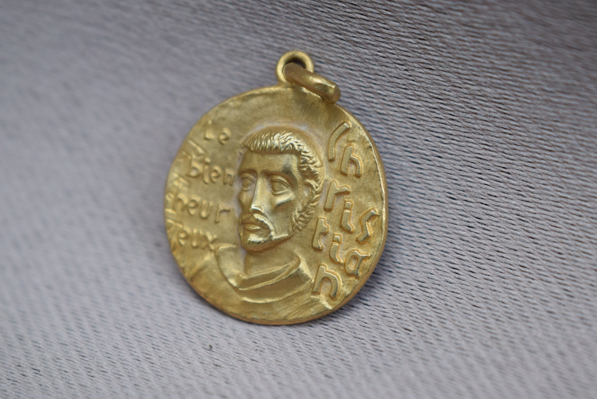 St Christian Medal - Charmantiques