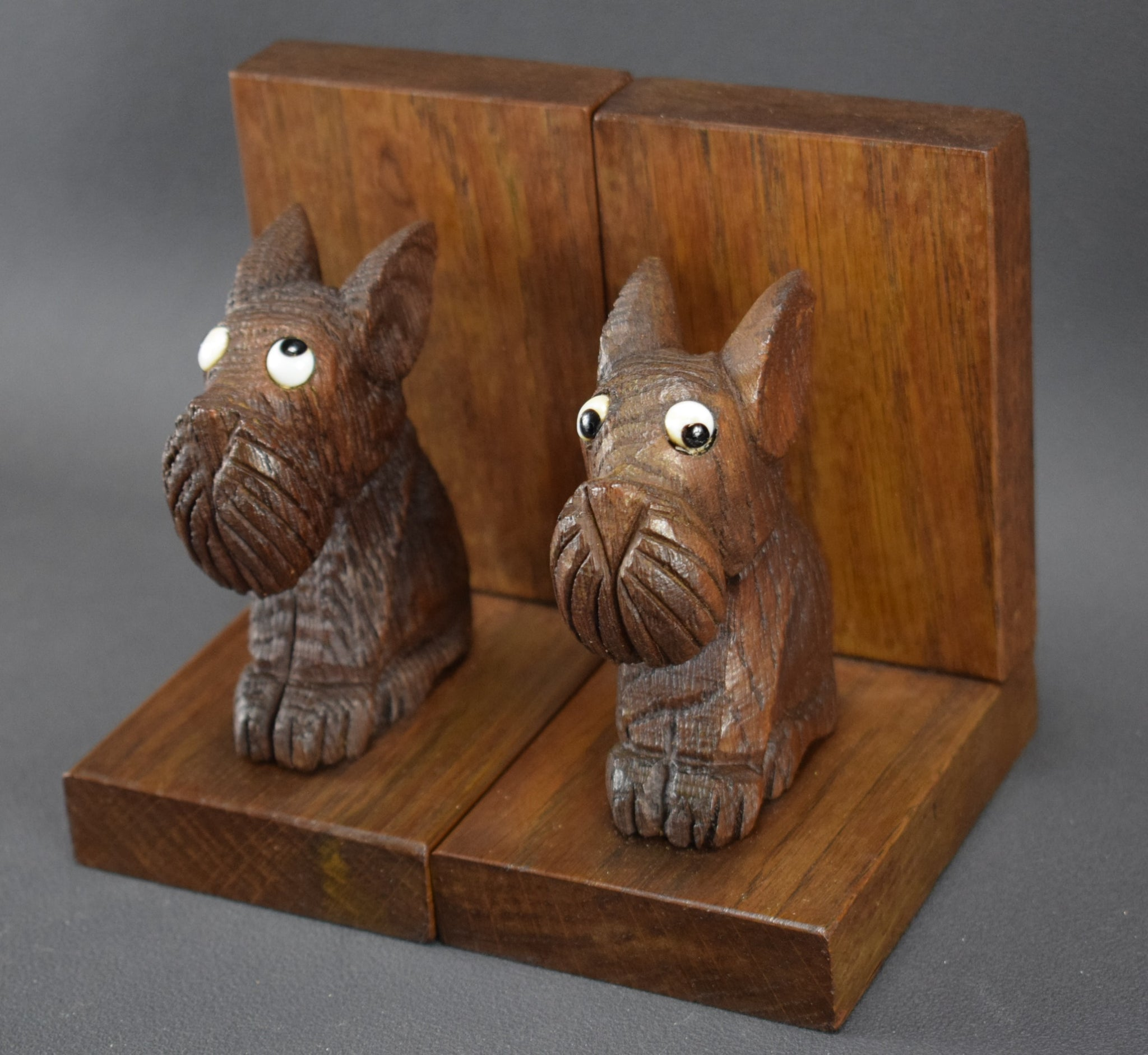 Wood Scottish Terrier Dog Bookends - Charmantiques
