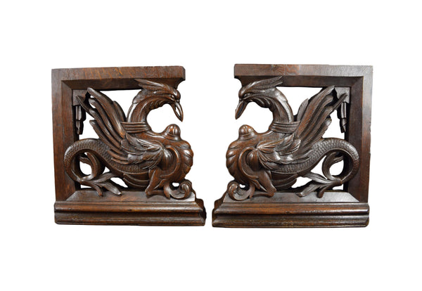 Gothic Carved Birds Corbels - Charmantiques