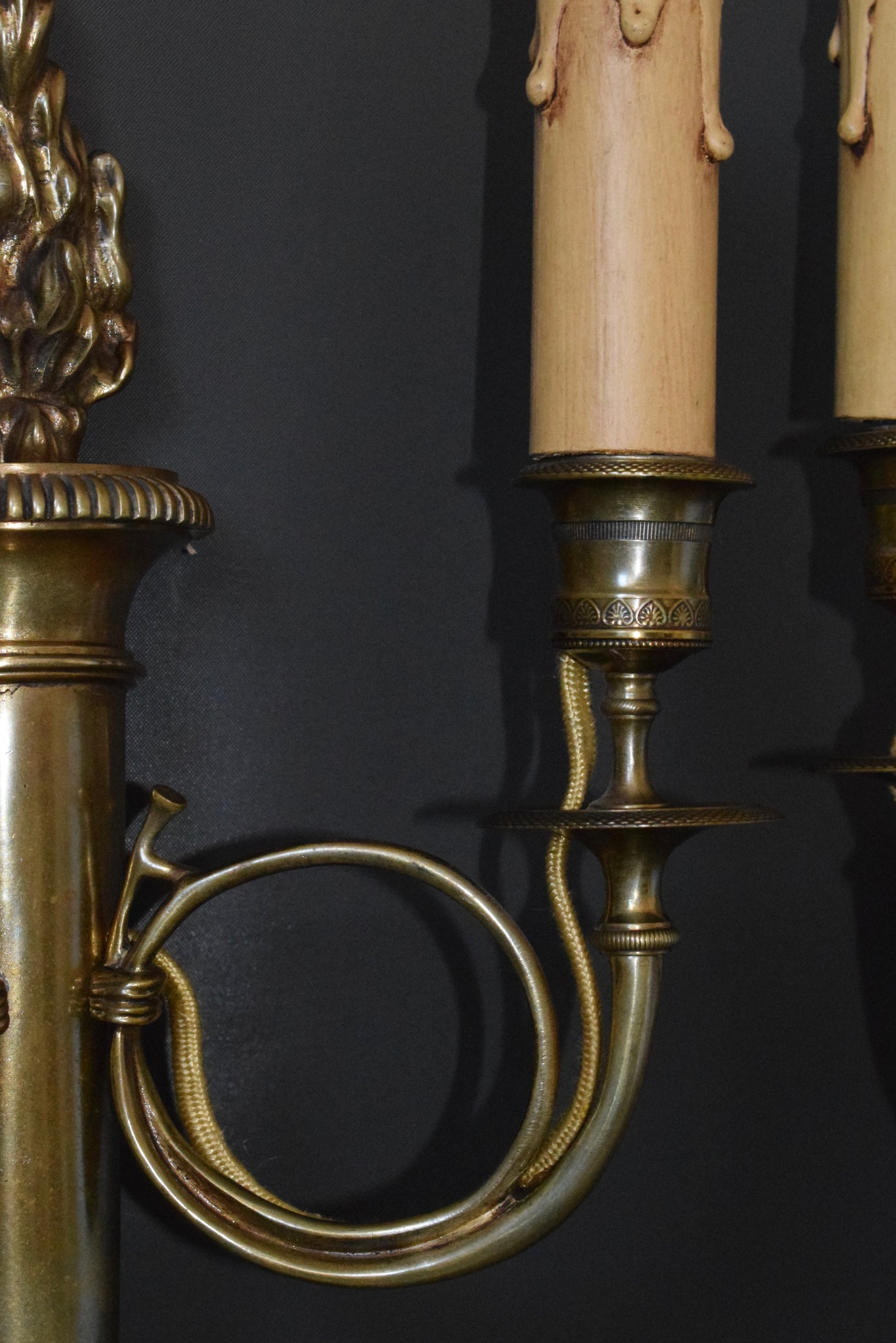 Hunting Horns Wall Sconces - Charmantiques