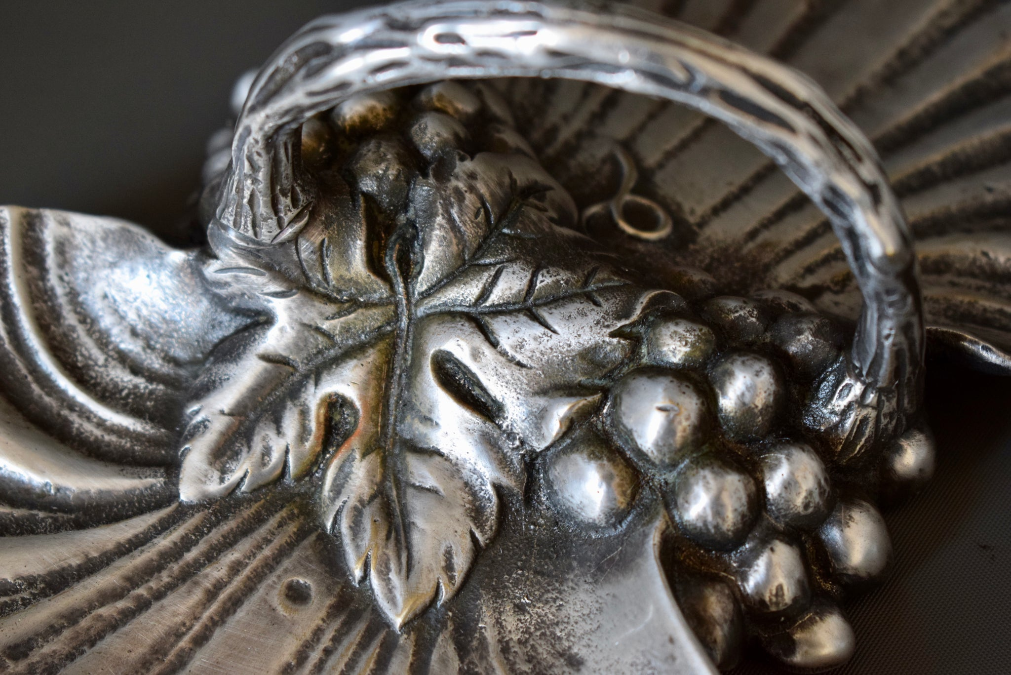 Art Deco Spanish Valenti Silvered Bronze Serving Dish with Handle Scallop Shaped Tray and Bunch of Grapes