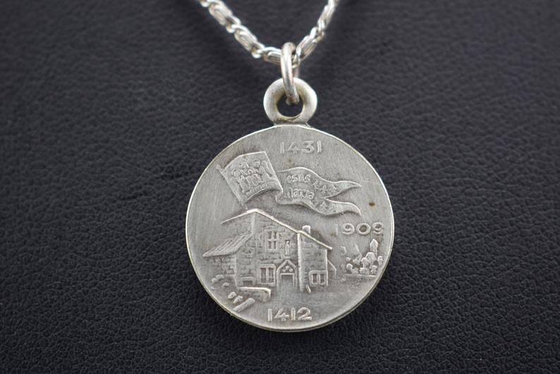 Saint Joan of Arc Pendant - Charmantiques