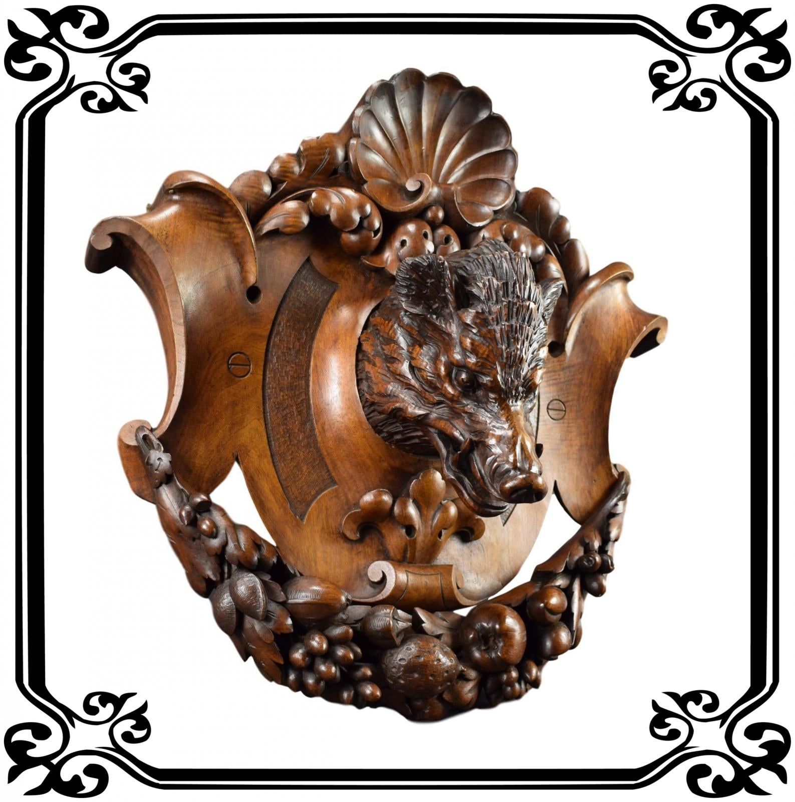 Large Hunting Trophy Black Forest - Charmantiques