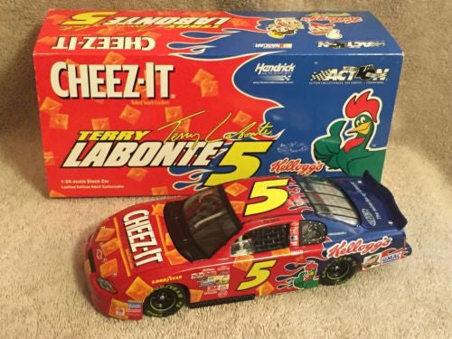 Action 1/24 Diecast #5 Terry Labonte Kellogg's Cheez-It 2002 Monte Carlo