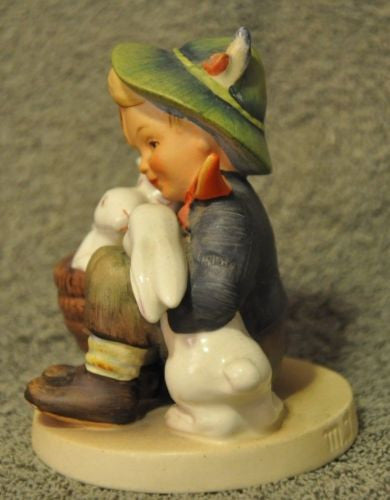 "Goebel Hummel Figurine 58/0 ""Playmates"" TMK2 TM 2 Germany 4"" Full Bee   - TvMovieCards.com"