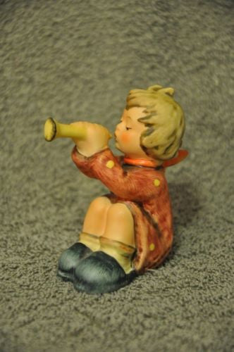 "Goebel Hummel Figurine 391 ""Girl With Trumpet"" TMK6 1968 Germany 2 3/4""   - TvMovieCards.com"