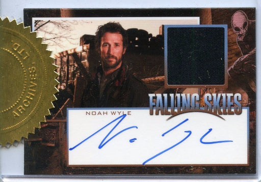 Falling Skies Season 2 Premium Pack Noah Wyle Autograph Costume Card   - TvMovieCards.com