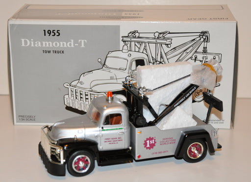 1st First Gear 1955 Diamond-T Tow Truck Collectors Club Stock No. 19-0009   - TvMovieCards.com