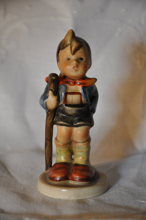 "Goebel Hummel Figurine # 76 2/0 ""Little Hiker"" TMK2 4"" Full Bee   - TvMovieCards.com"