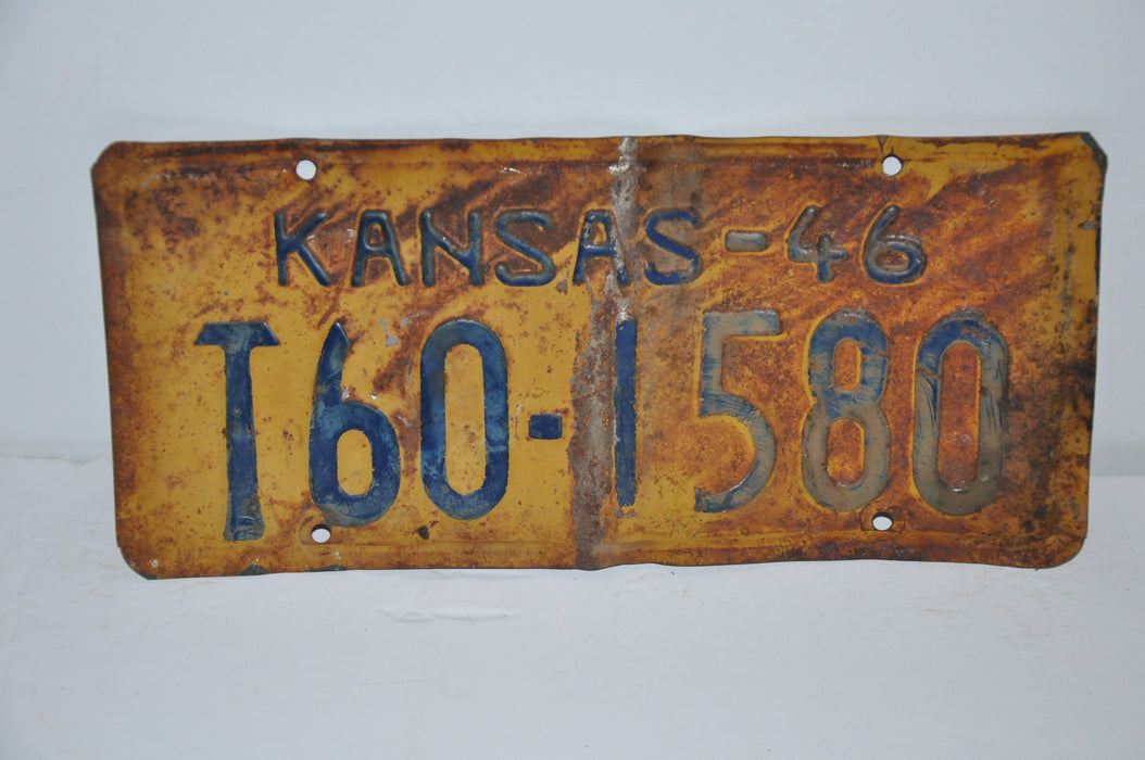 1946 Kansas License Plate # T60-1580 Russell County Truck Man Cave Chevy Ford   - TvMovieCards.com