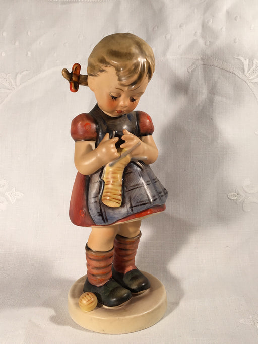 "Goebel Hummel Figurine TMK4 #255 ""A Stitch in Time"" 6.50"" Tall   - TvMovieCards.com"